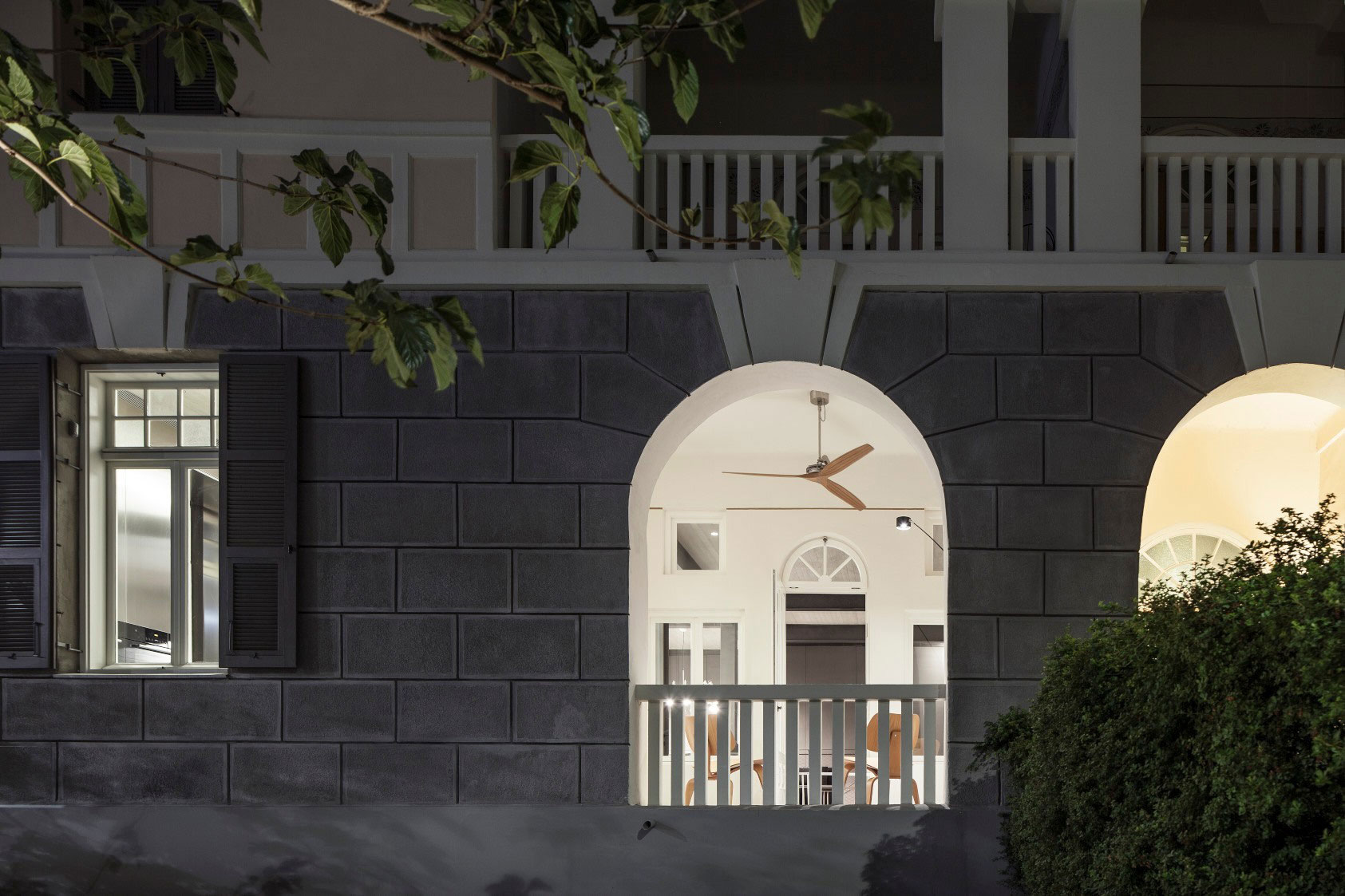 Combination of Modern Design and Neo-Classical Structure of a Historical Apartment in the Heart of Tel Aviv by Pitsou Kedem Architects-30