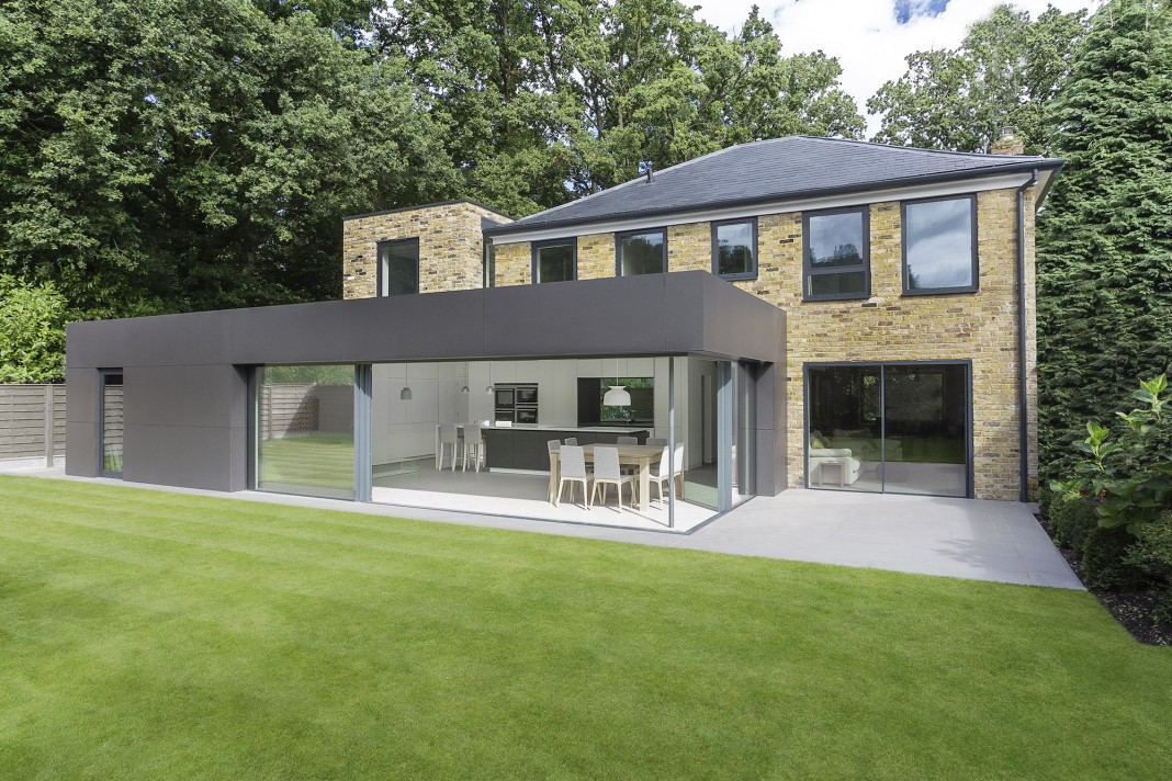 Contemporary richmond house in winchester by ar design studio caandesign architecture and - The chapel cottage historic vestige in contemporary lines ...