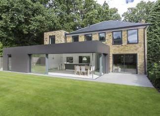 Contemporary Richmond House in Winchester by AR Design Studio
