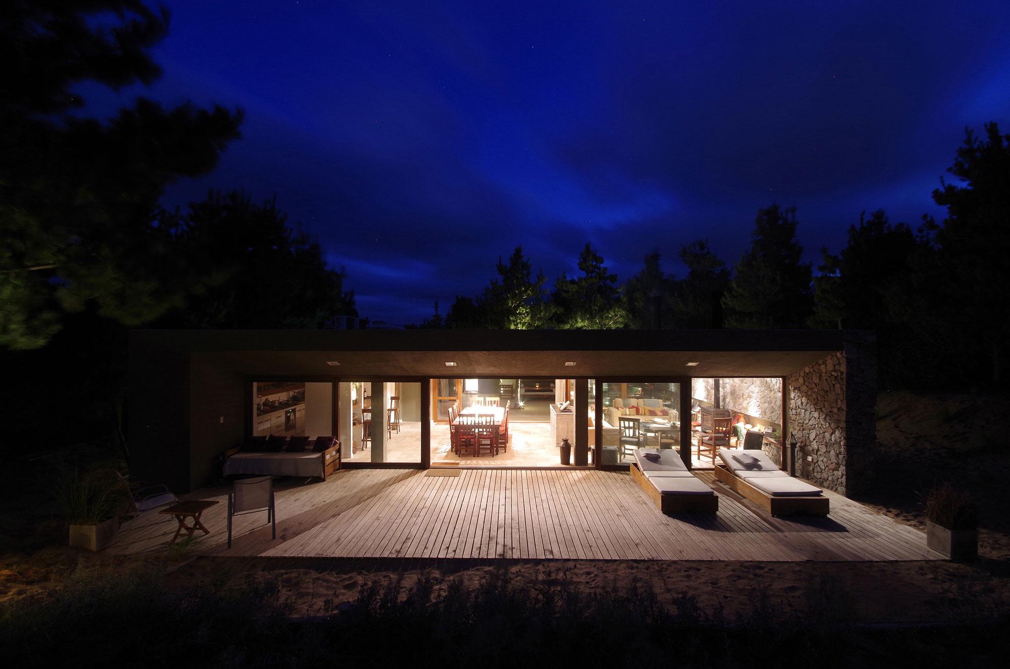El Patio Courtyard House by night