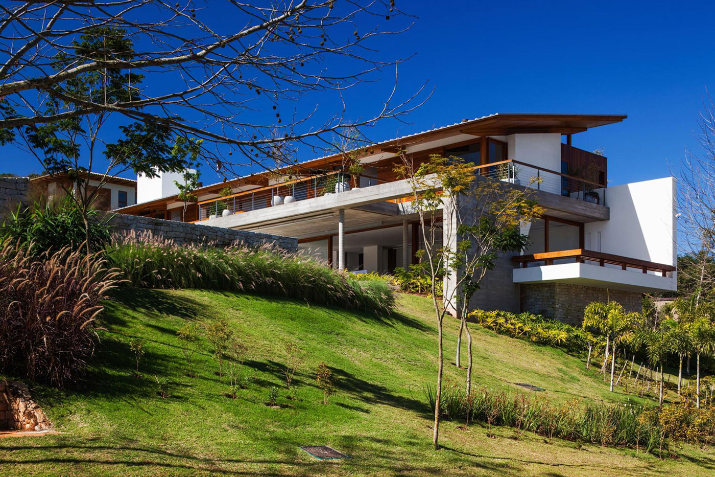 FT Modern Holiday and Weekend House by Reinach Mendonça Arquitetos Associados-01