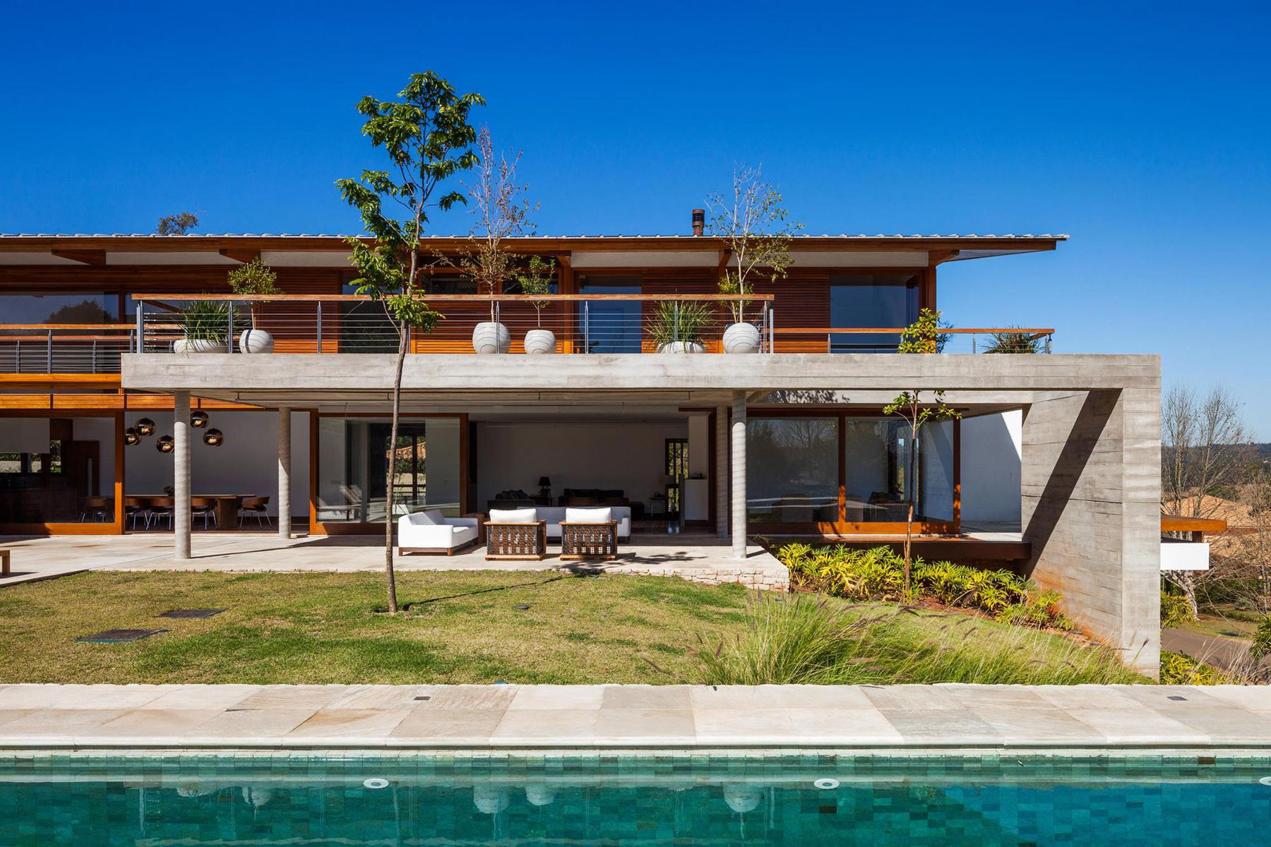 FT Modern Holiday and Weekend House by Reinach Mendonça Arquitetos Associados-02