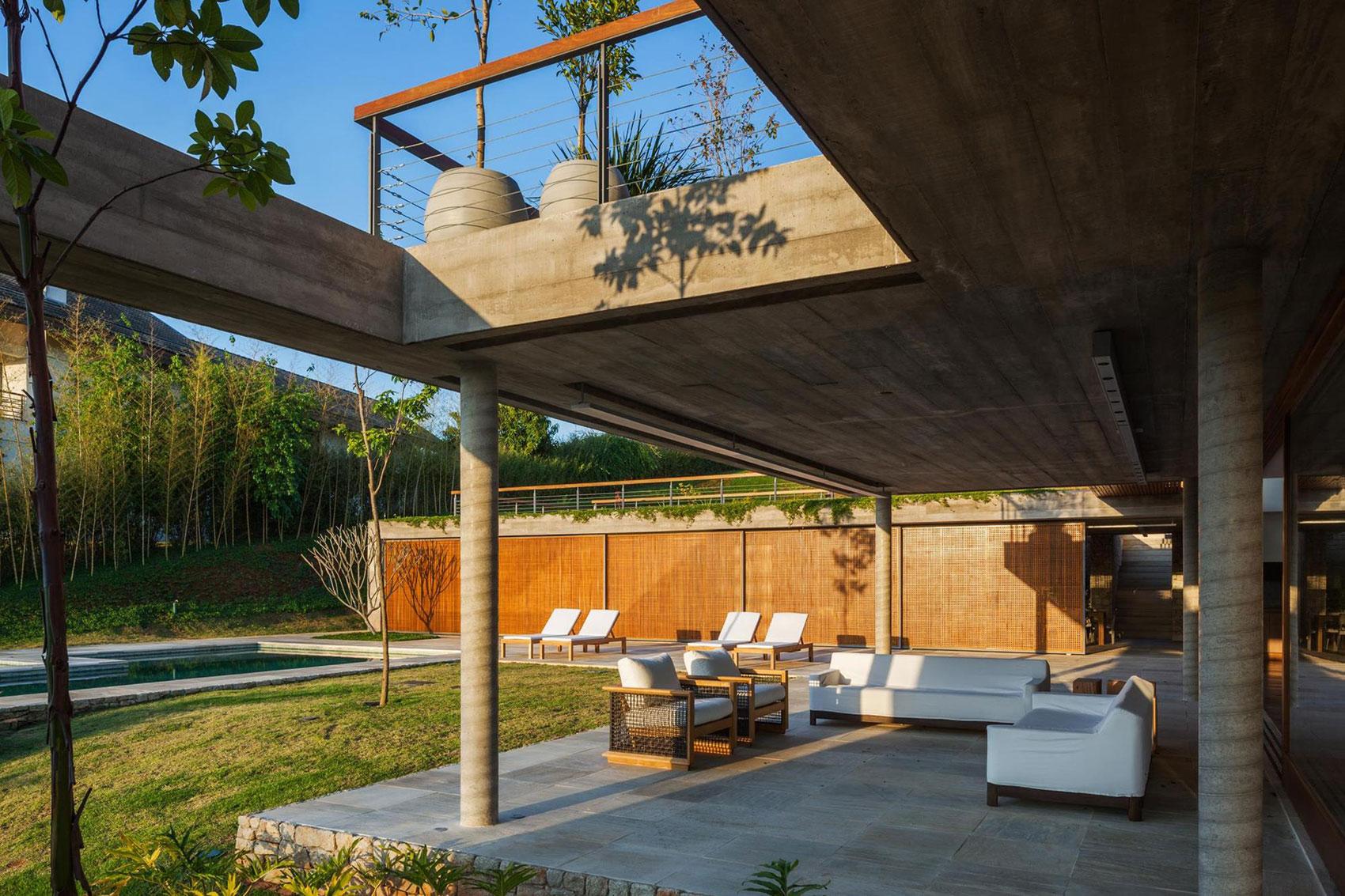 FT Modern Holiday and Weekend House by Reinach Mendonça Arquitetos Associados-04
