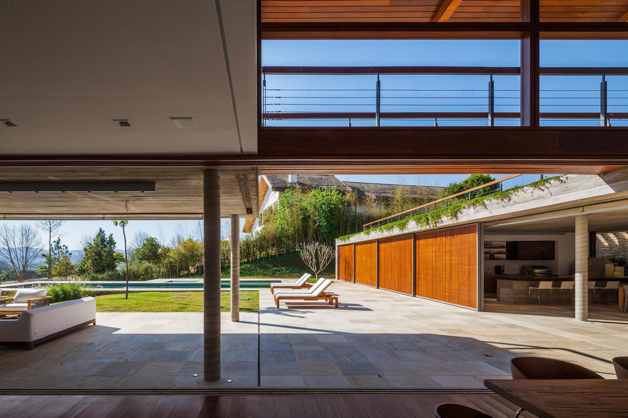 FT Modern Holiday and Weekend House by Reinach Mendonça Arquitetos Associados-05