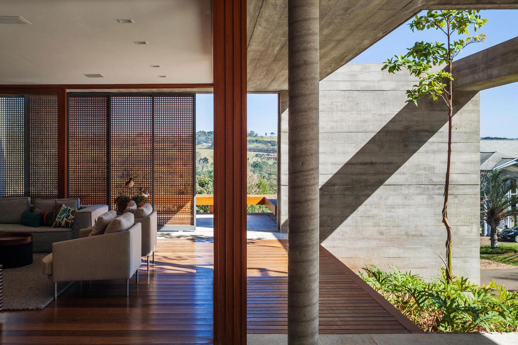 FT Modern Holiday and Weekend House by Reinach Mendonça Arquitetos Associados-09