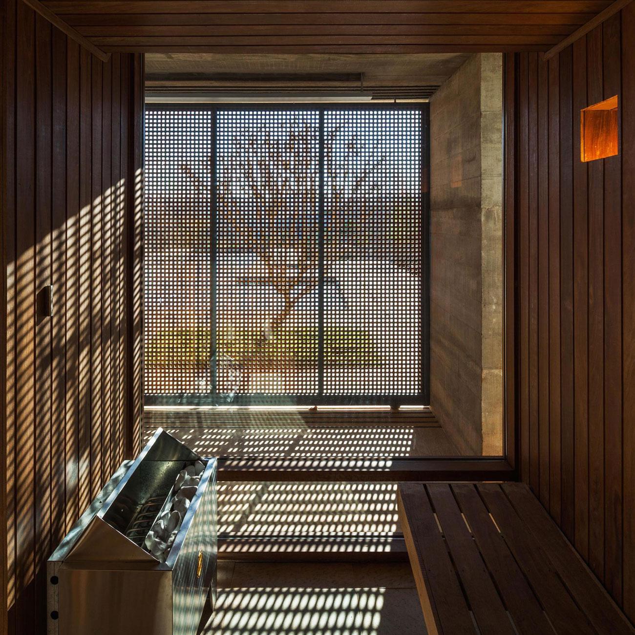 FT Modern Holiday and Weekend House by Reinach Mendonça Arquitetos Associados-13