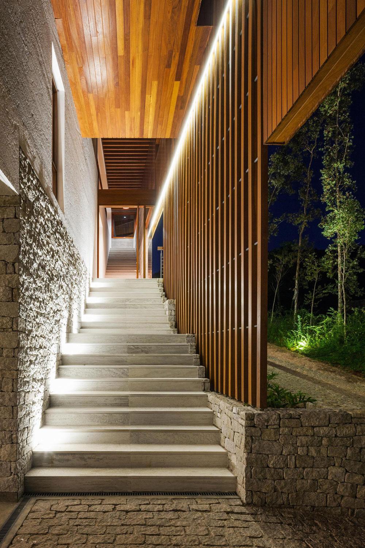 FT Modern Holiday and Weekend House by Reinach Mendonça Arquitetos Associados-14