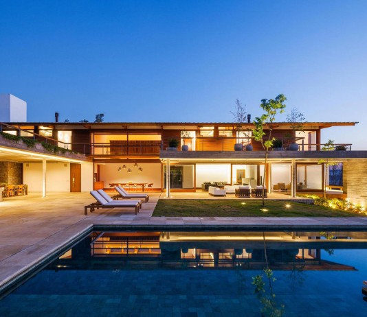 FT Modern Holiday and Weekend House by Reinach Mendonça Arquitetos Associados