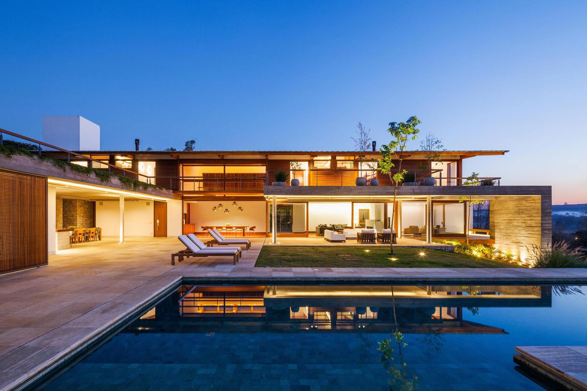 FT Modern Holiday and Weekend House by Reinach Mendonça Arquitetos Associados-17