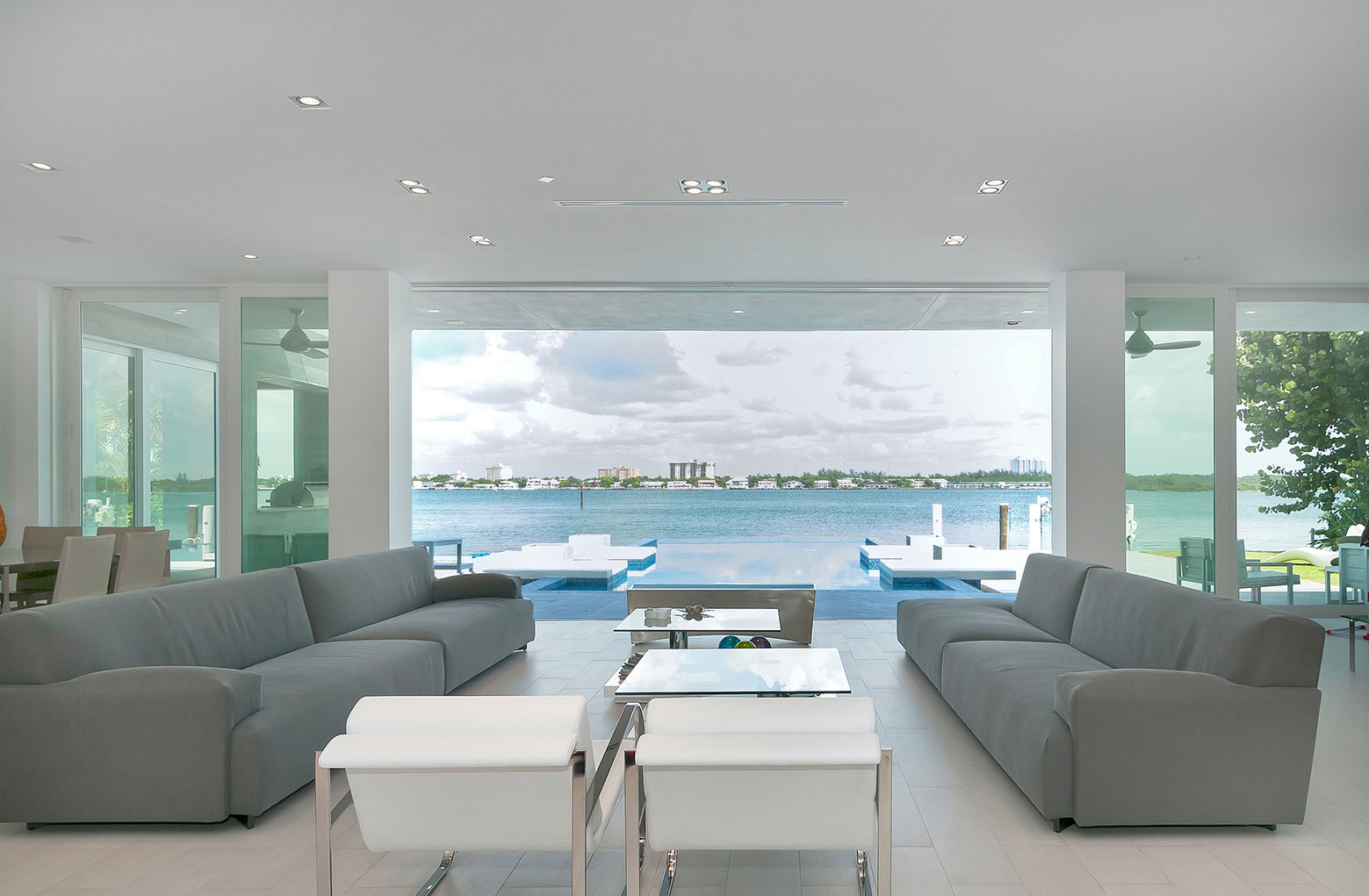 Gross-Flasz House is The Modernist Pavilion in an Extreme Maritime Context by One d+b Miami-15