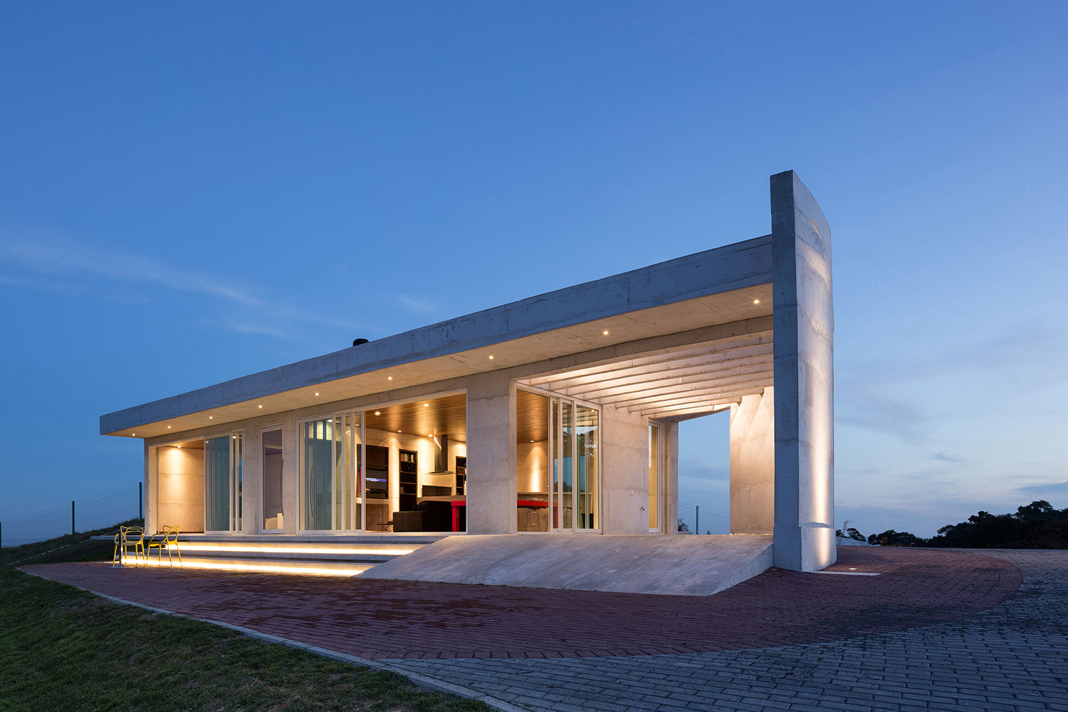 HLM House, the Retreat on a Natural Area in the Outskirts of the City of Santa Maria by Boa Arquitetura-18
