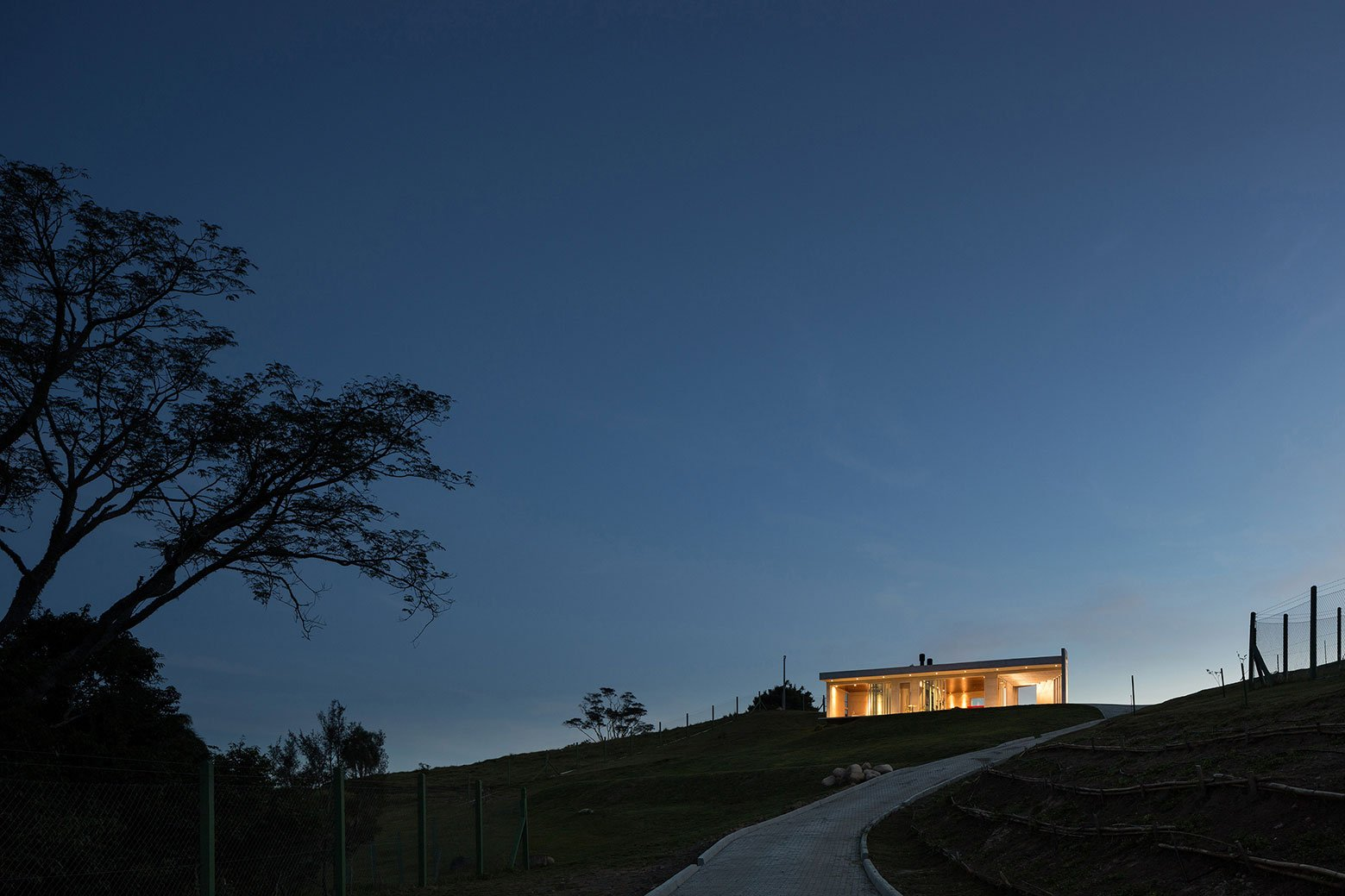 HLM House, the Retreat on a Natural Area in the Outskirts of the City of Santa Maria by Boa Arquitetura-21