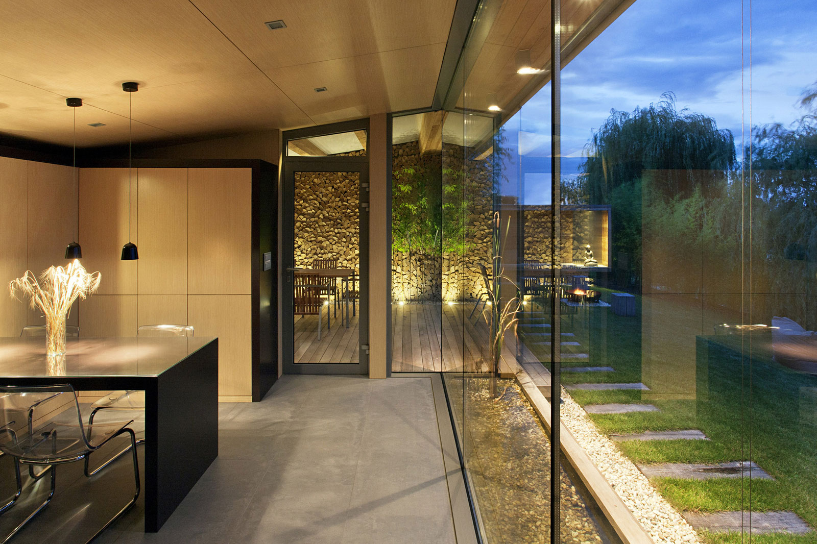 Holiday Cottage near the Lake-Shore by Tóth Project Architect Office-11