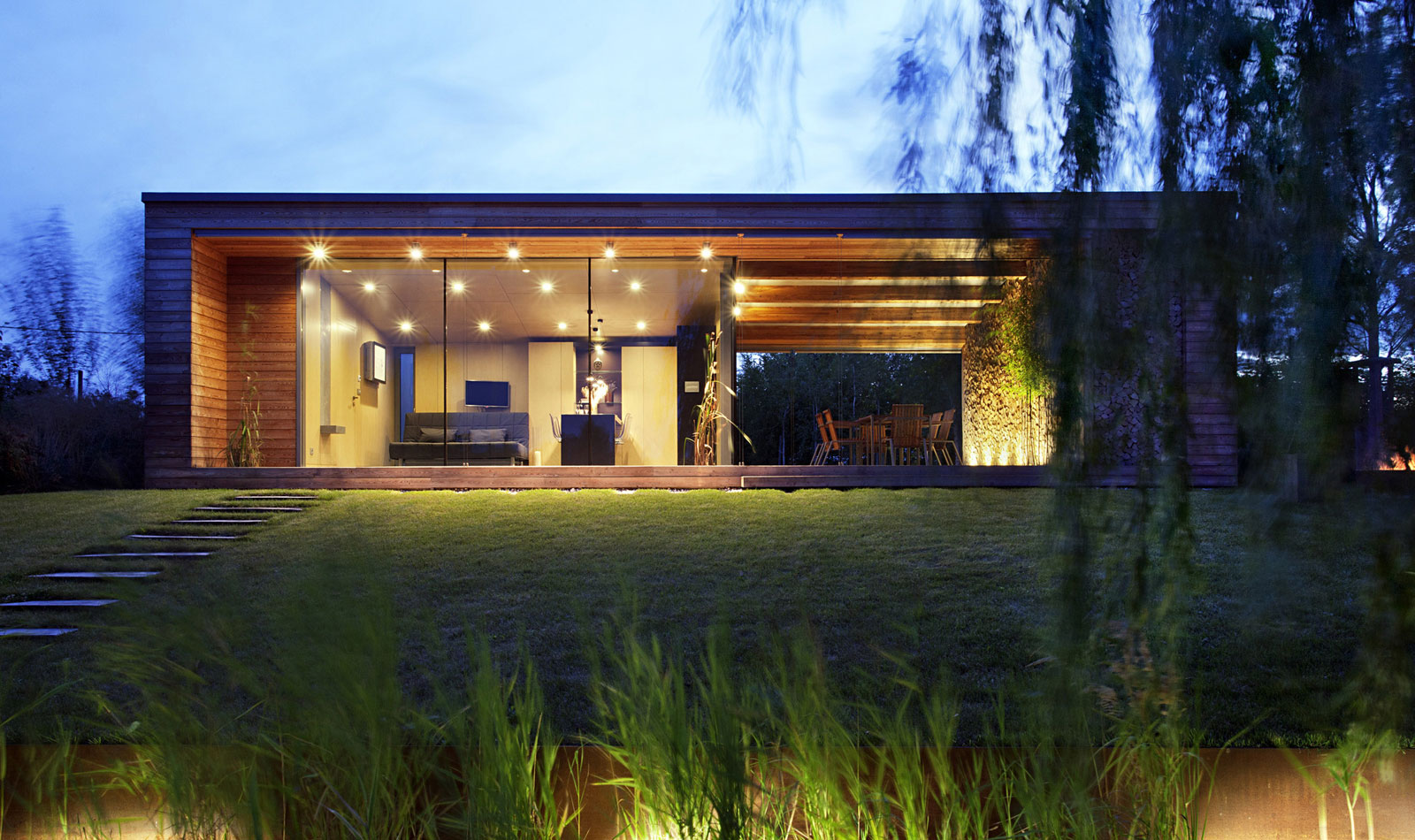Holiday Cottage near the Lake-Shore by Tóth Project Architect Office-14