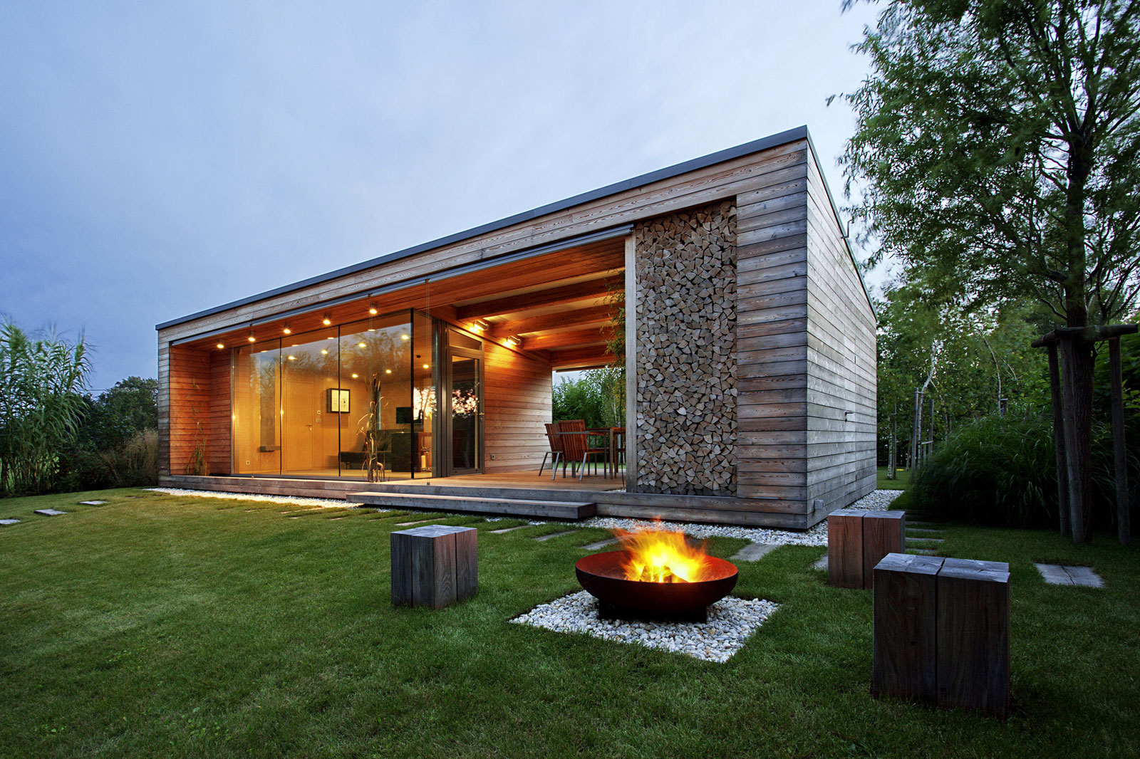 Holiday Cottage near the Lake-Shore by Tóth Project Architect Office-15