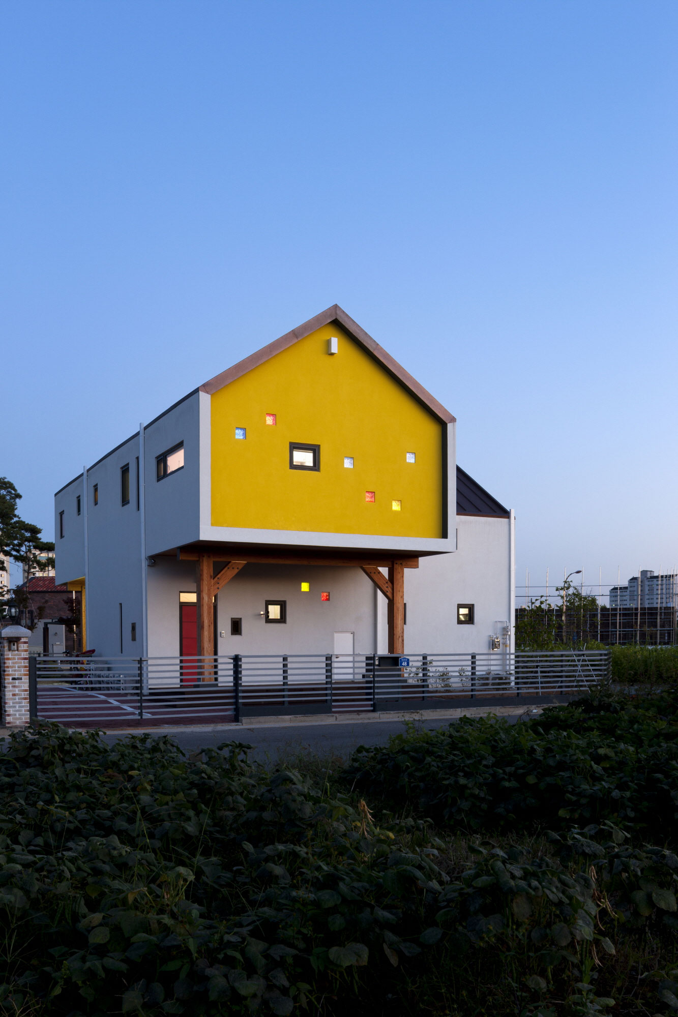 Iksan T Shaped House in South Korea by KDDH architects-19