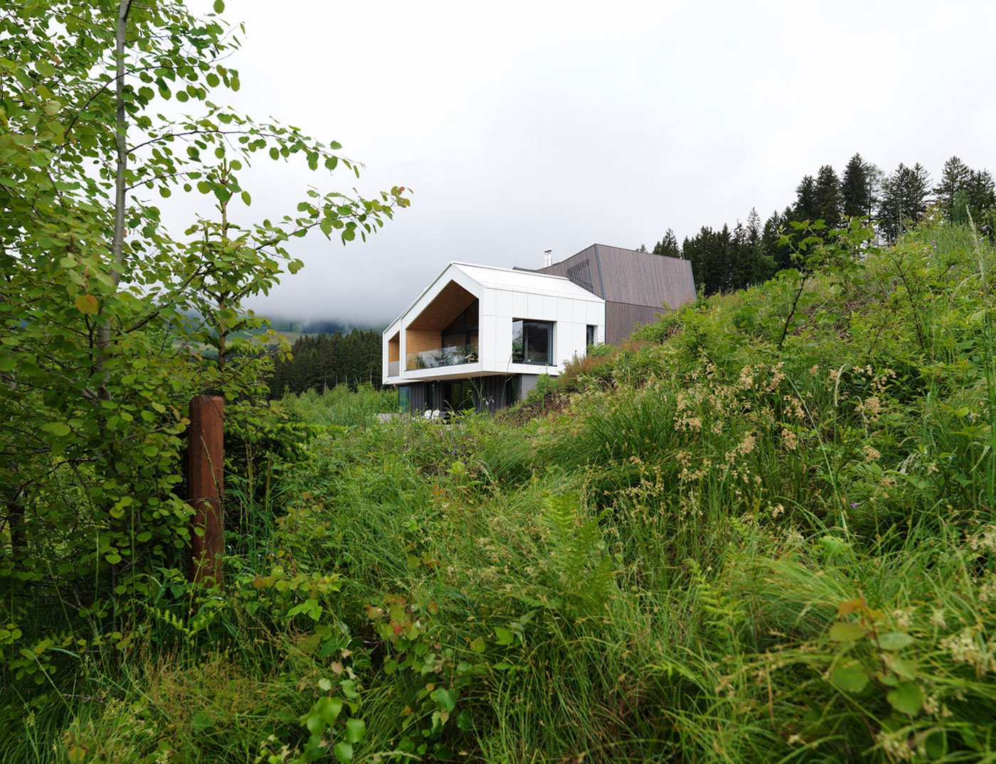 Kitzbuehel mountain view house by sono arhitekti for Mountain house plans with a view