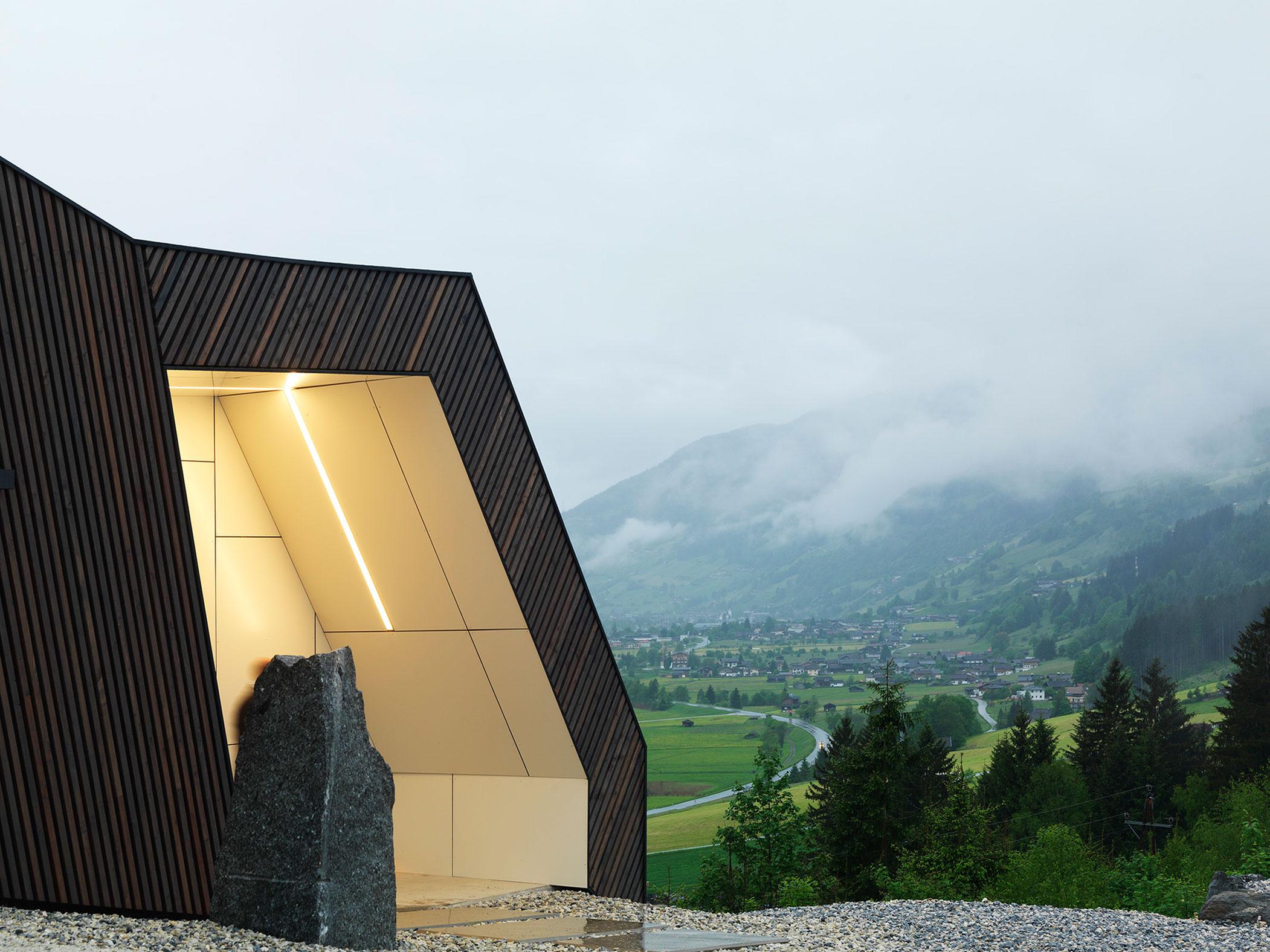 Kitzbuehel Mountain View House by SoNo arhitekti-13