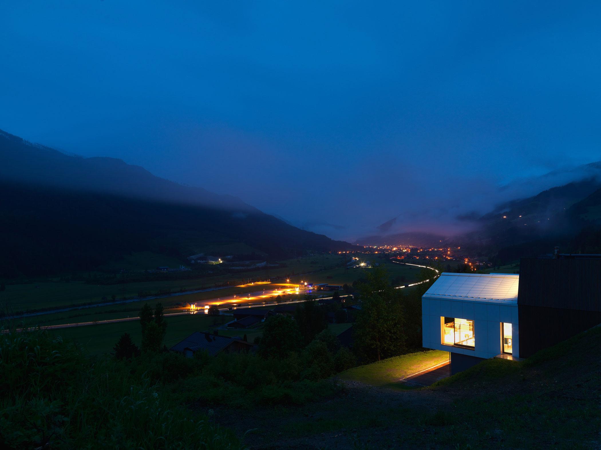 Kitzbuehel Mountain View House by SoNo arhitekti-14