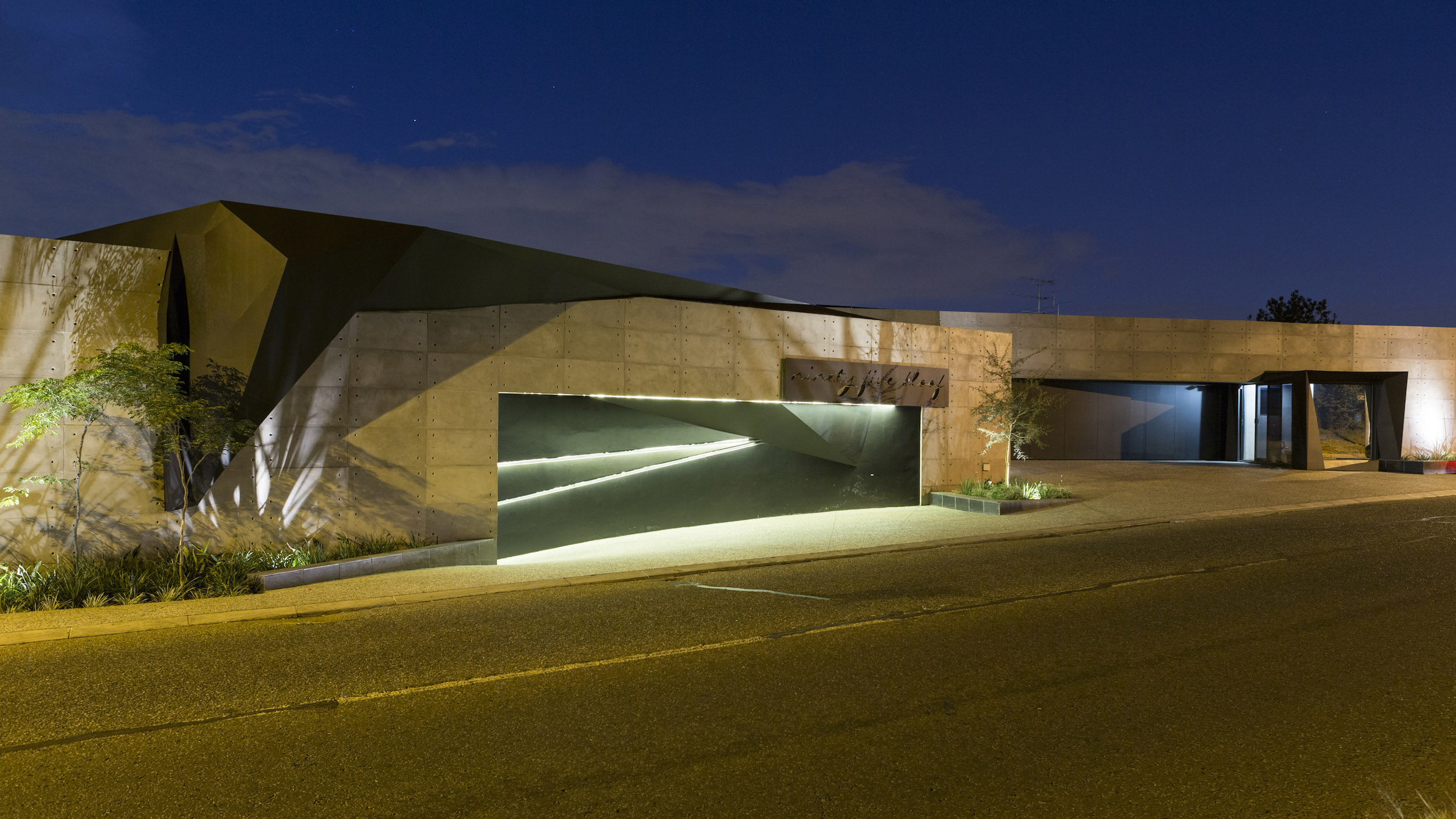 Kloof Road Masterpiece House in Johannesburg by Nico van der Meulen Architects-01