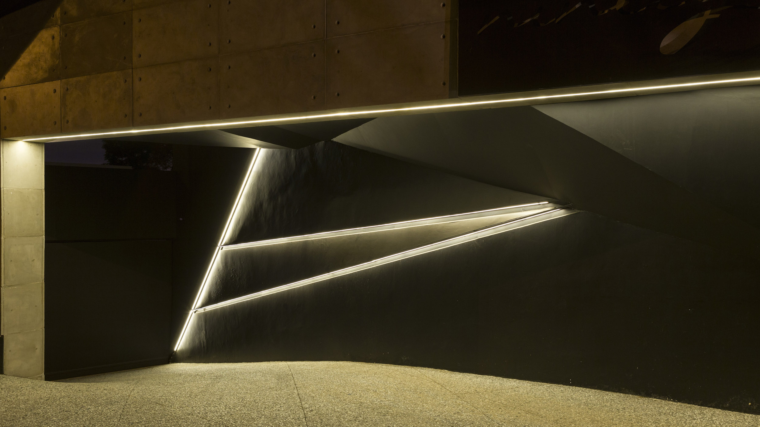 Kloof Road Masterpiece House in Johannesburg by Nico van der Meulen Architects-02