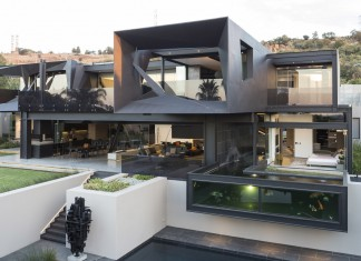 Kloof Road Masterpiece House in Johannesburg by Nico van der Meulen Architects