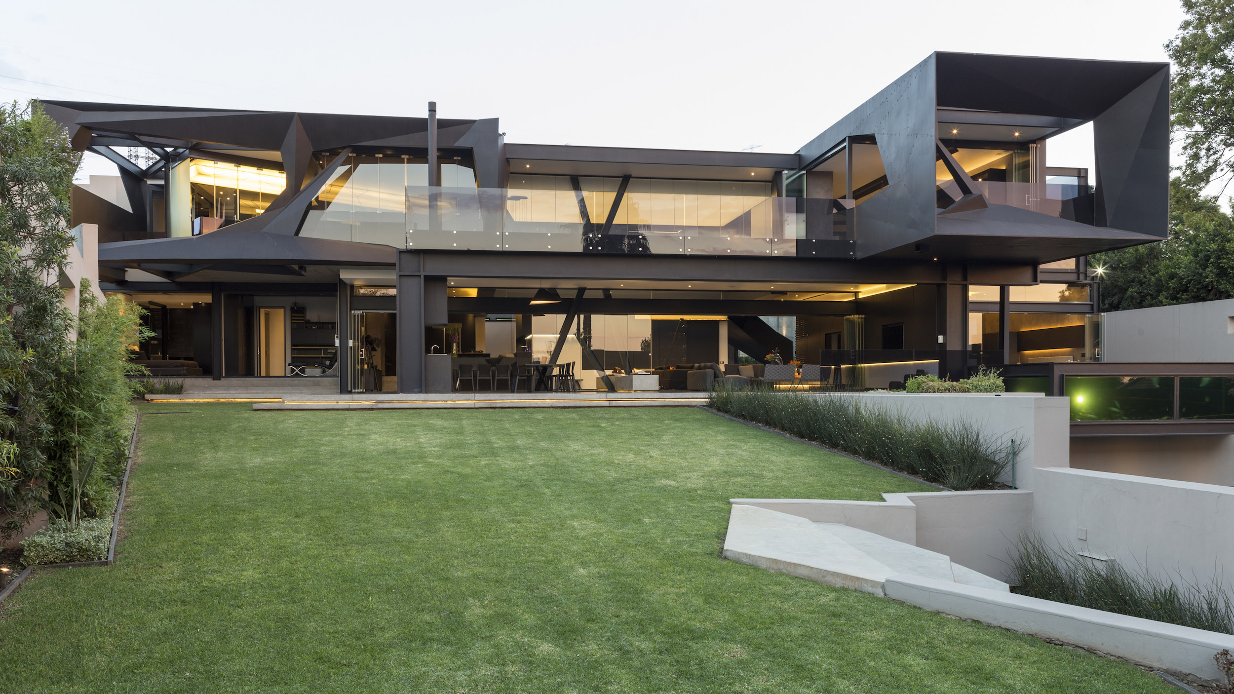 Kloof Road Masterpiece House in Johannesburg by Nico van der Meulen Architects-08
