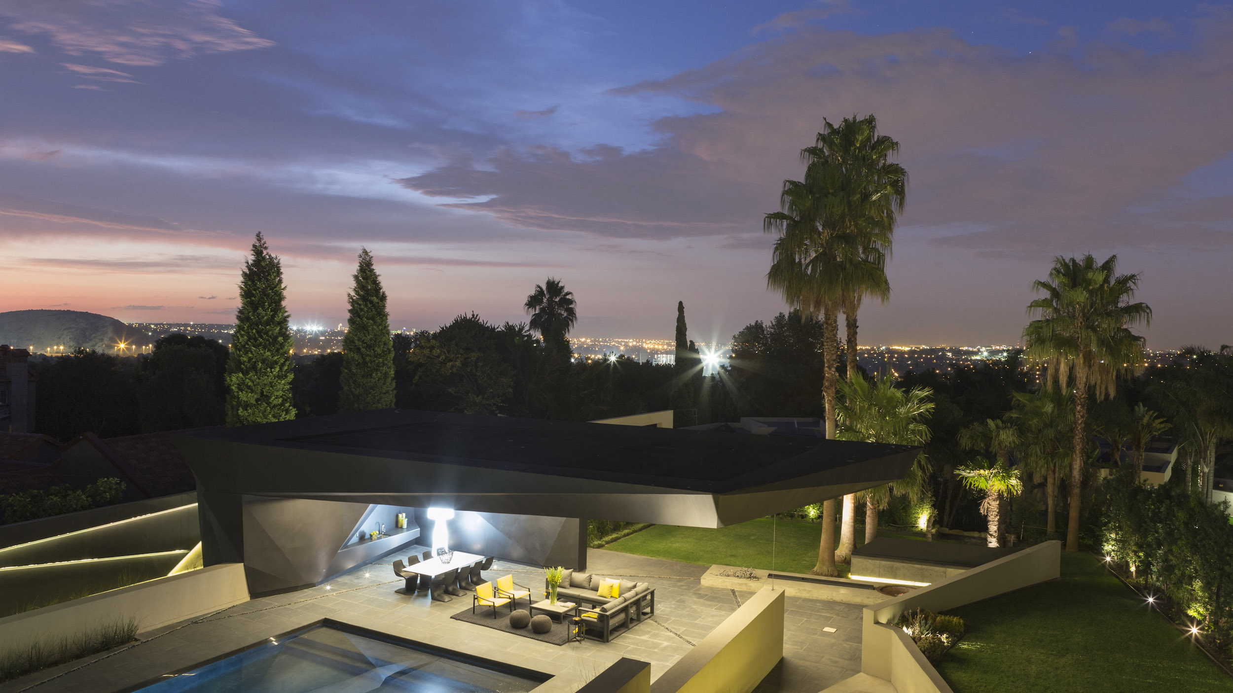 Kloof Road Masterpiece House in Johannesburg by Nico van der Meulen Architects-09