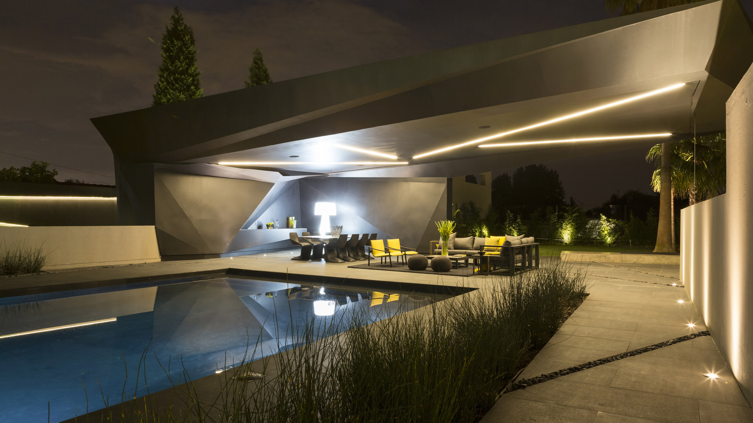 Kloof Road Masterpiece House in Johannesburg by Nico van der Meulen Architects-10