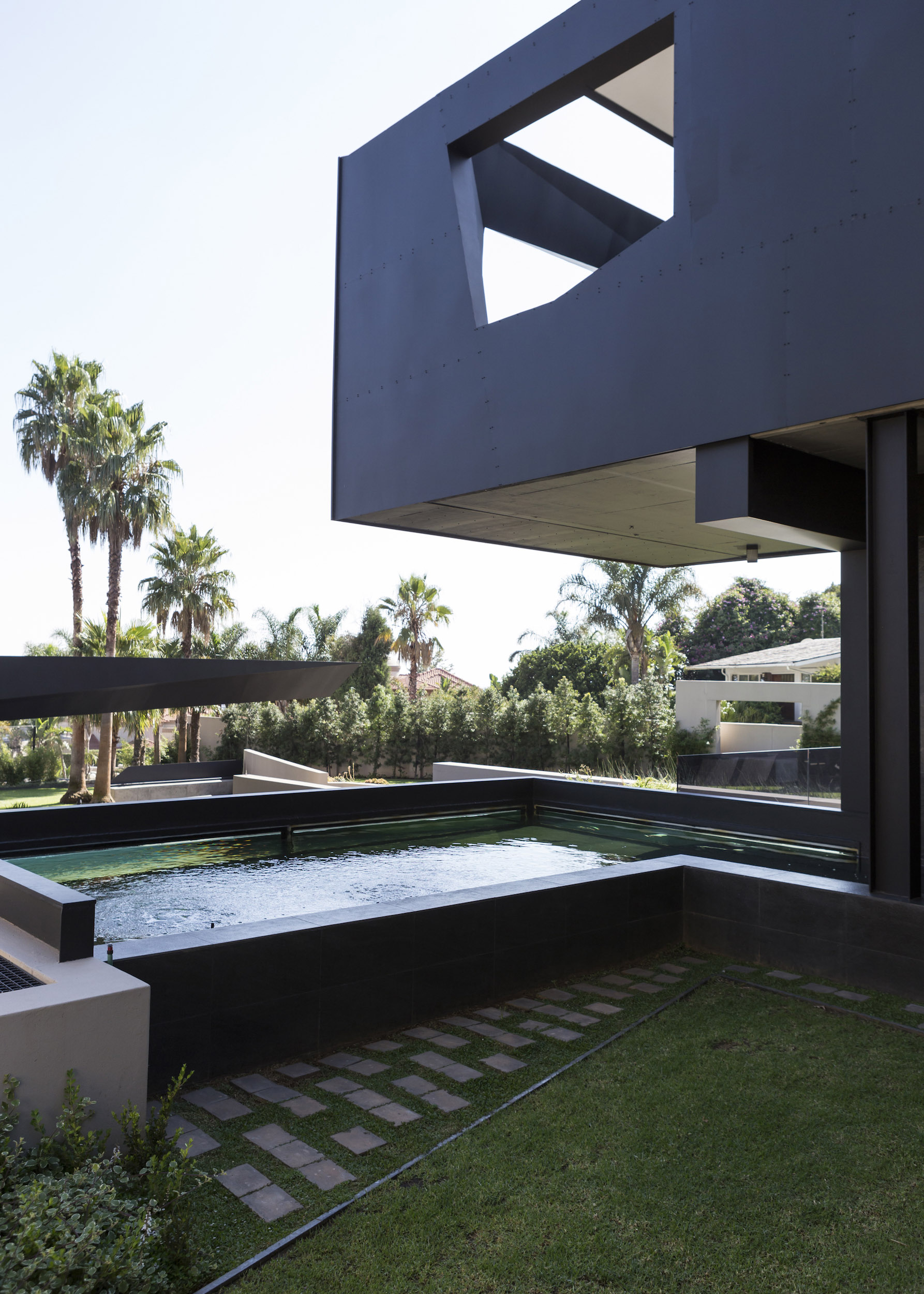 Kloof Road Masterpiece House in Johannesburg by Nico van der Meulen Architects-14