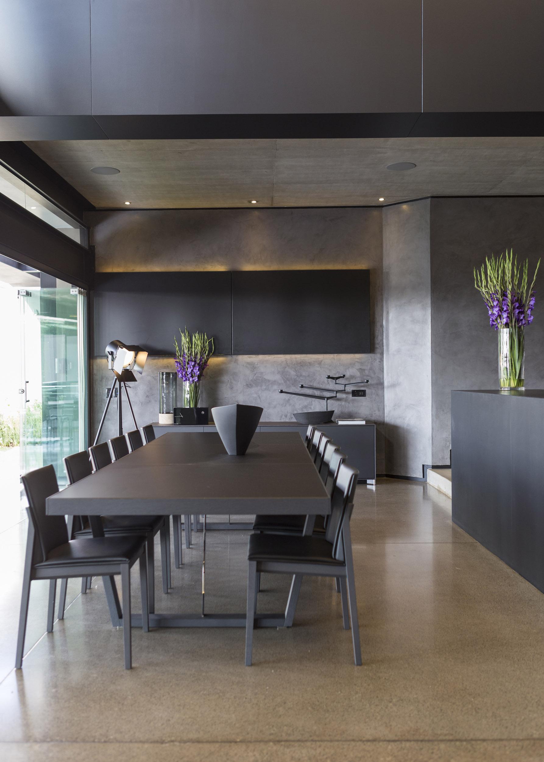 Kloof Road Masterpiece House in Johannesburg by Nico van der Meulen Architects-20