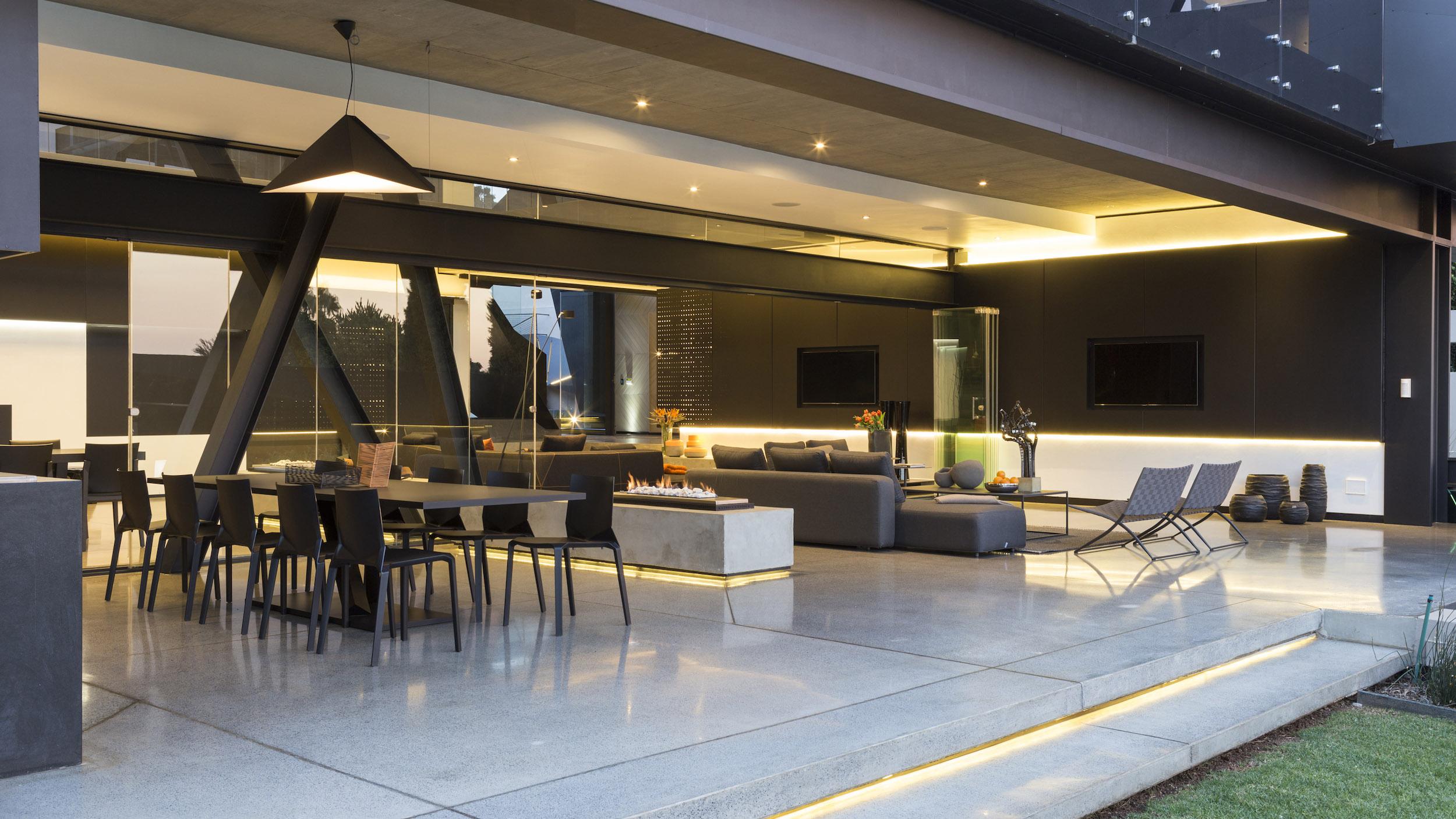 Kloof Road Masterpiece House in Johannesburg by Nico van der Meulen Architects-23