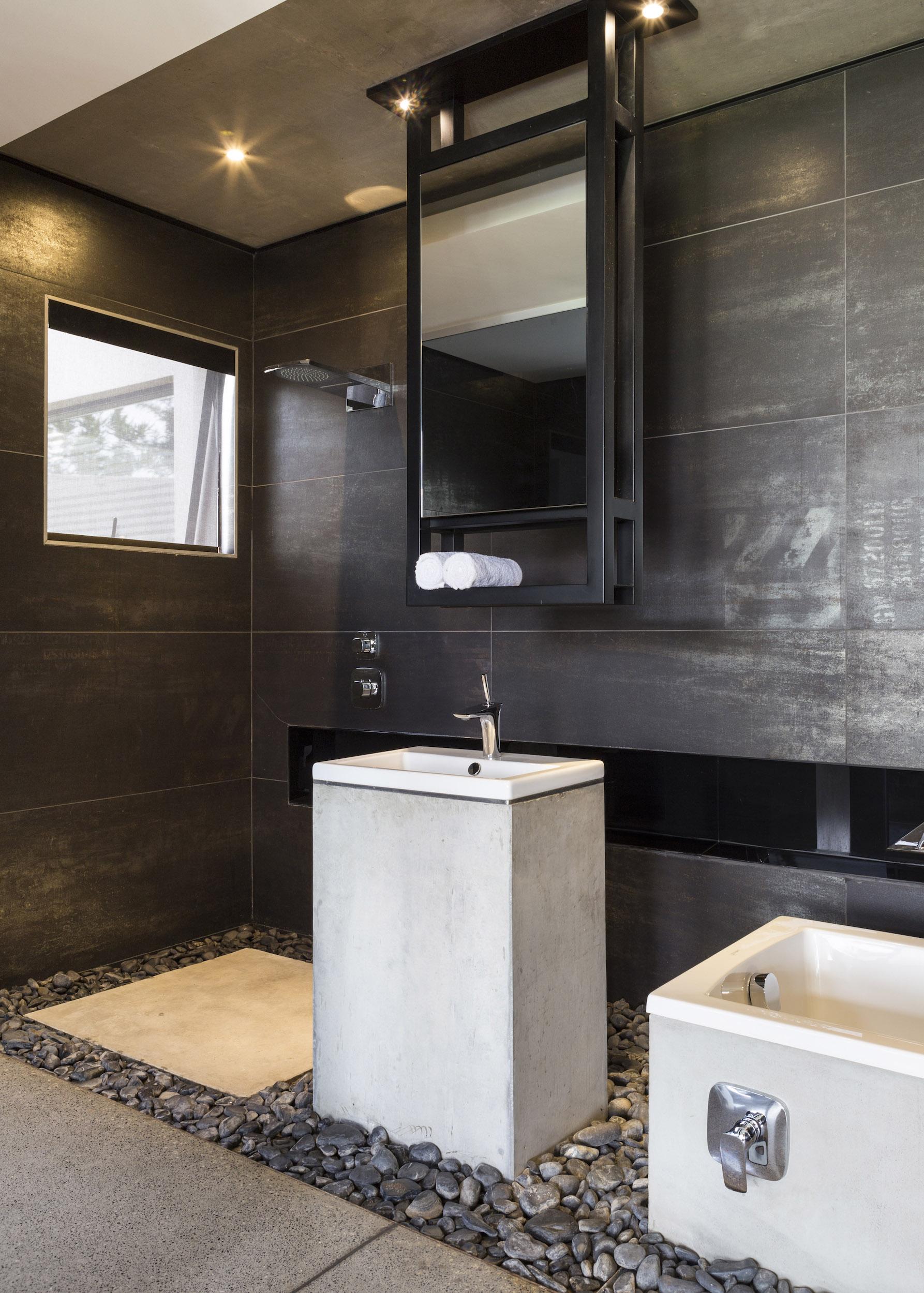 Kloof Road Masterpiece House in Johannesburg by Nico van der Meulen Architects-31