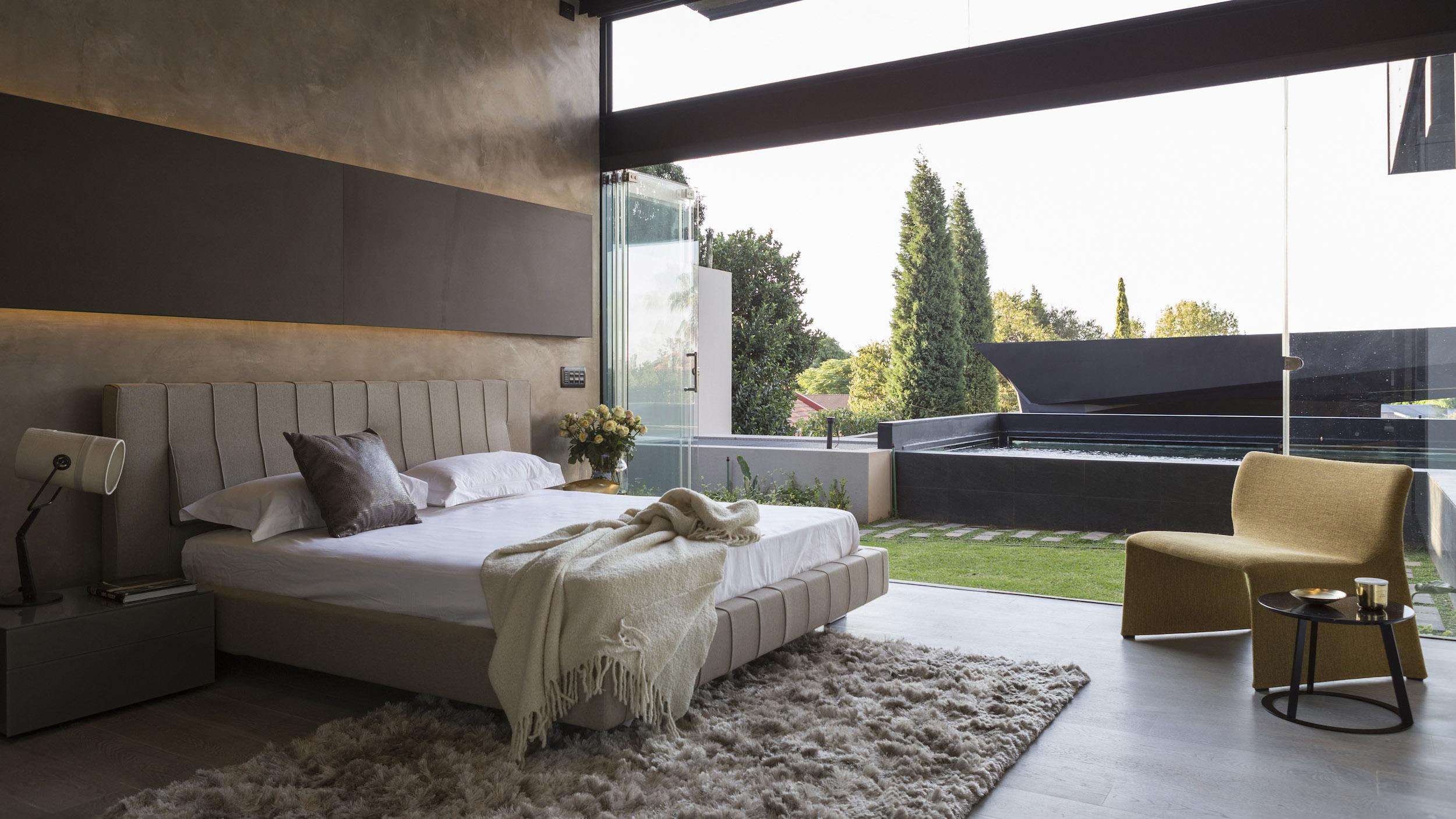 Kloof Road Masterpiece House in Johannesburg by Nico van der Meulen Architects-32