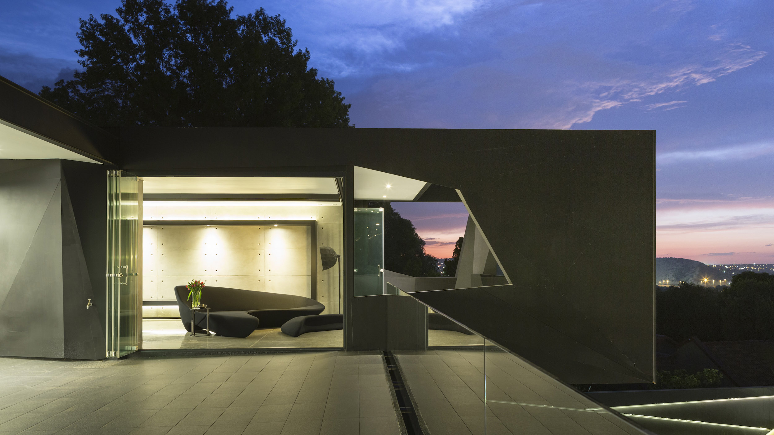Kloof Road Masterpiece House in Johannesburg by Nico van der Meulen Architects-35