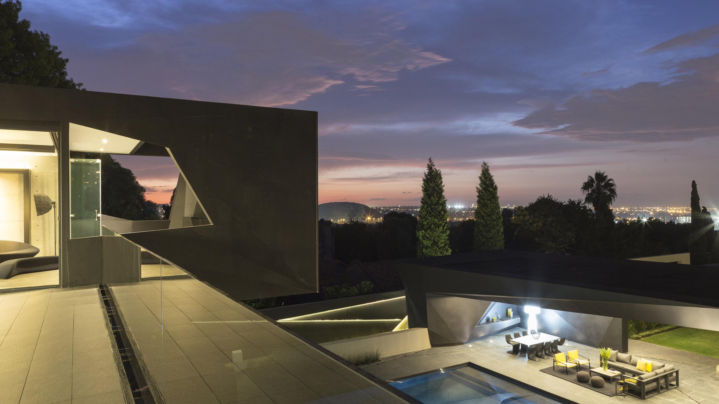 Kloof Road Masterpiece House in Johannesburg by Nico van der Meulen Architects-36