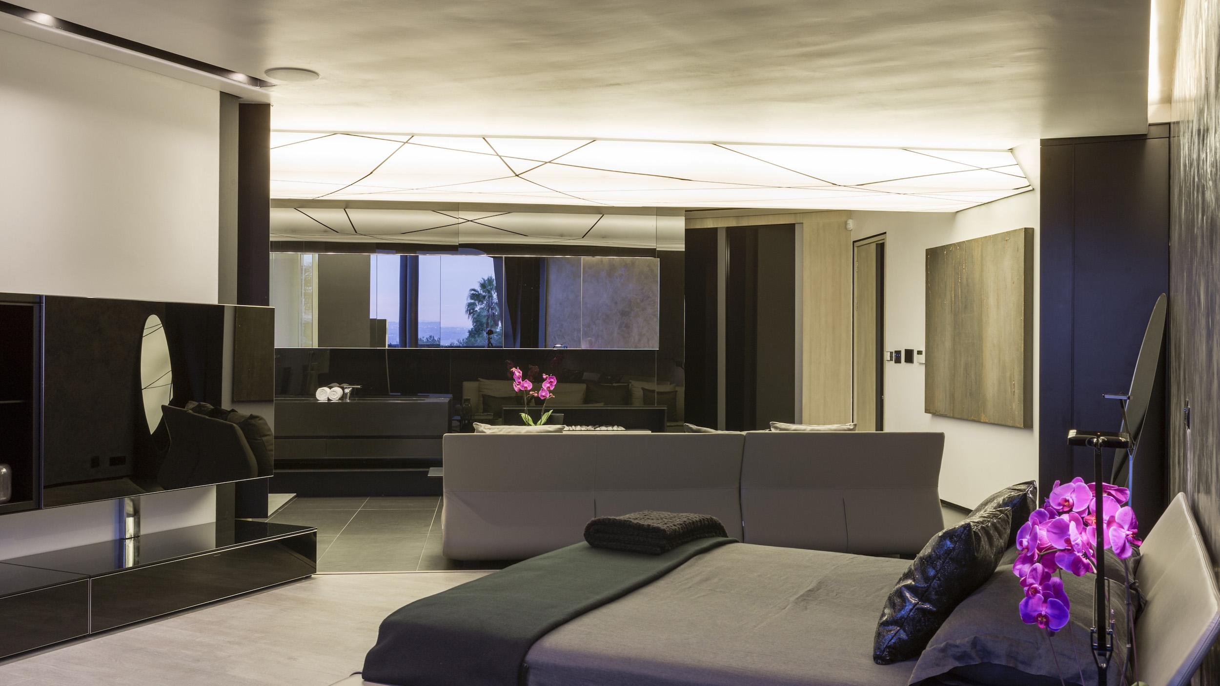 Kloof Road Masterpiece House in Johannesburg by Nico van der Meulen Architects-38