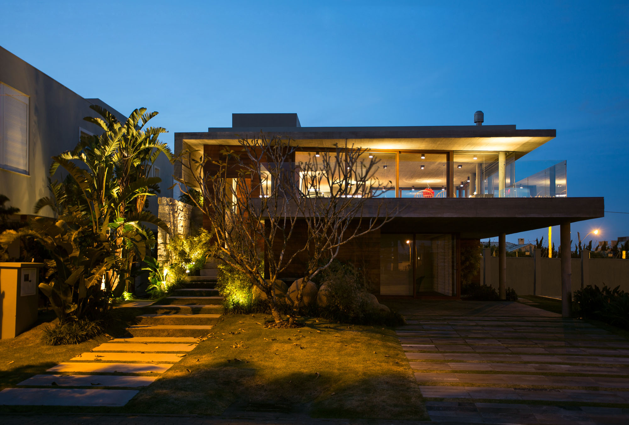 La Plage House in Southern Brazil by Stemmer Rodrigues-20