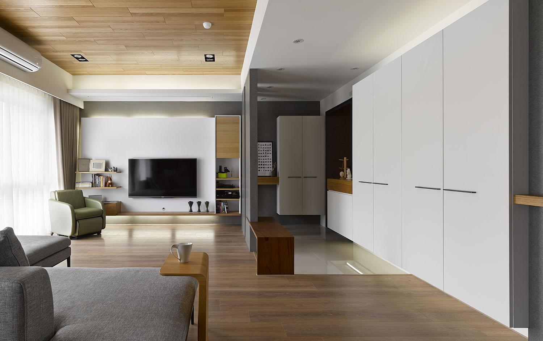 Liu s warm wooden apartment in taipei city by hoya design for Apartamentos modernos playa