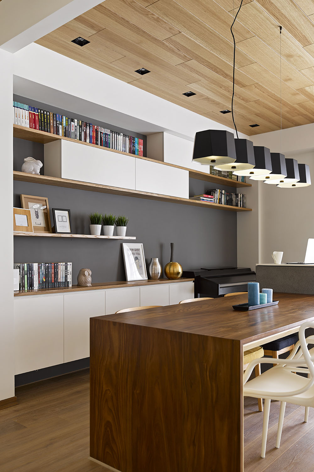 Liu's Warm Wooden Apartment in New Taipei City by HOYA Design-08