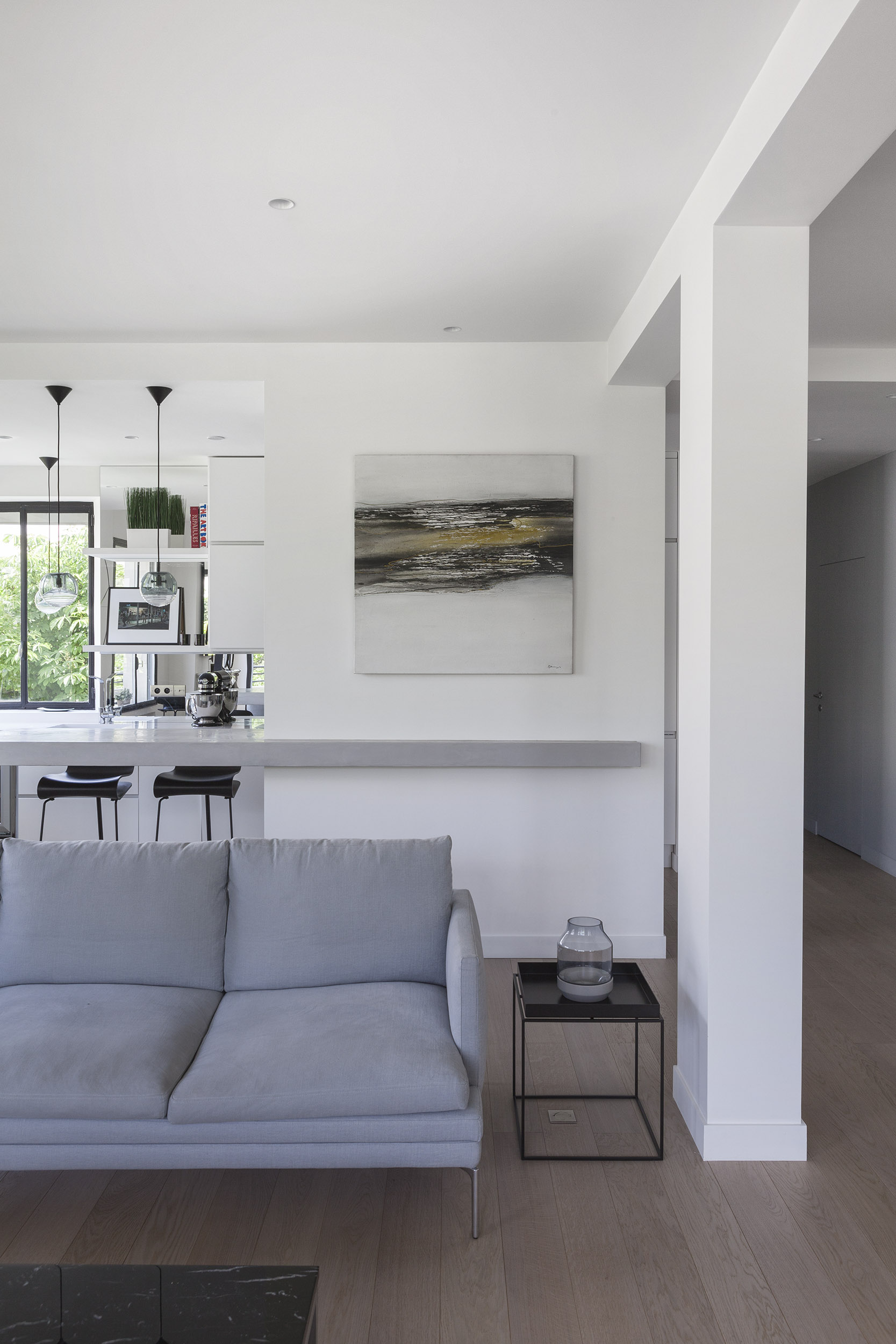 Longchamp Apartment in a 1957 building in Neuilly-sur-Seine by Frédéric Flanquart-02
