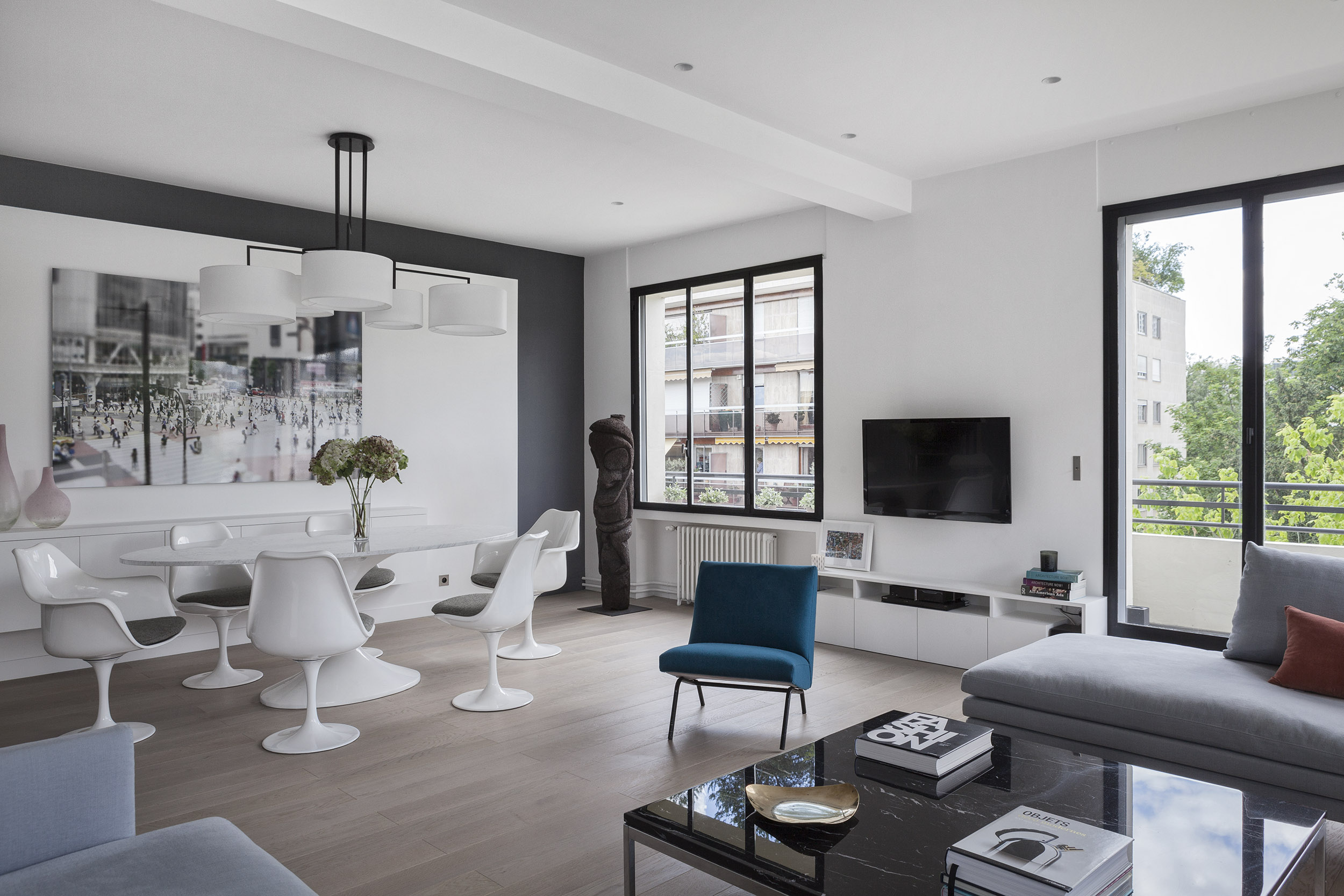 Longchamp Apartment in a 1957 building in Neuilly-sur-Seine by Frédéric Flanquart-06