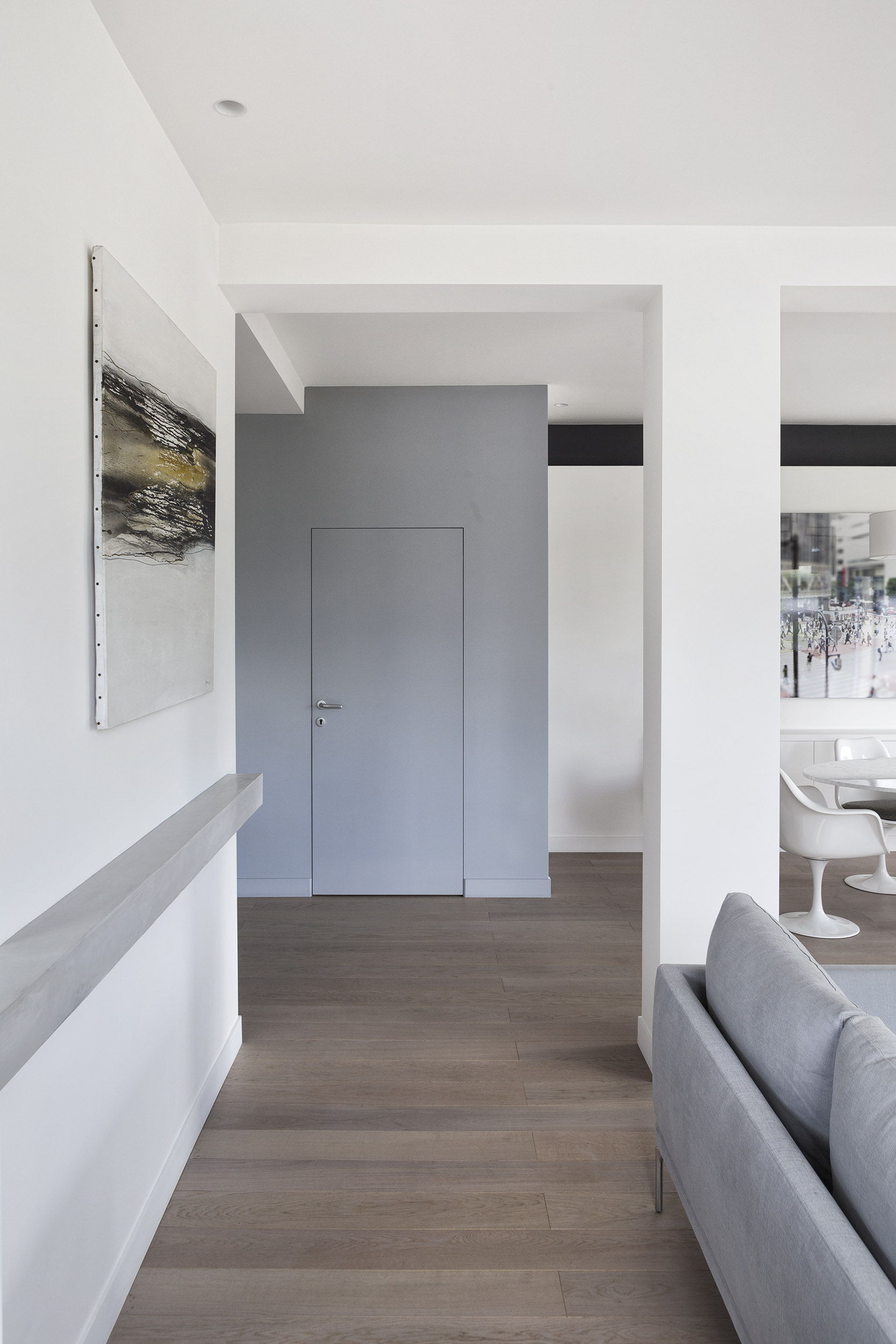 Longchamp Apartment in a 1957 building in Neuilly-sur-Seine by Frédéric Flanquart-09