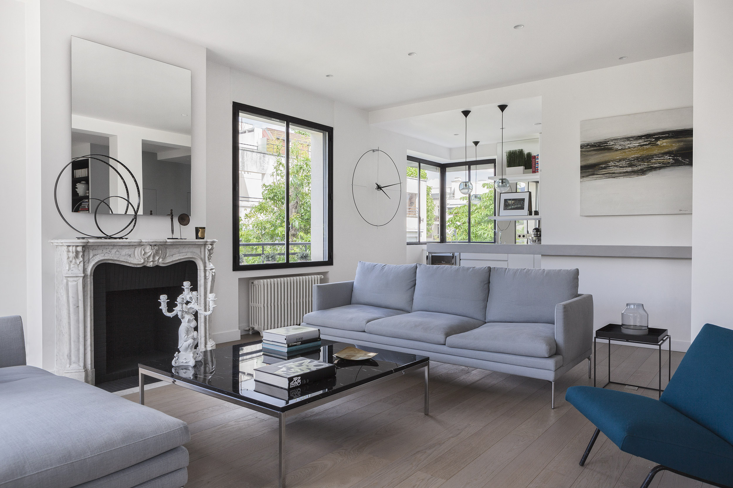 Longchamp Apartment in a 1957 building in Neuilly-sur-Seine by Frédéric Flanquart-10