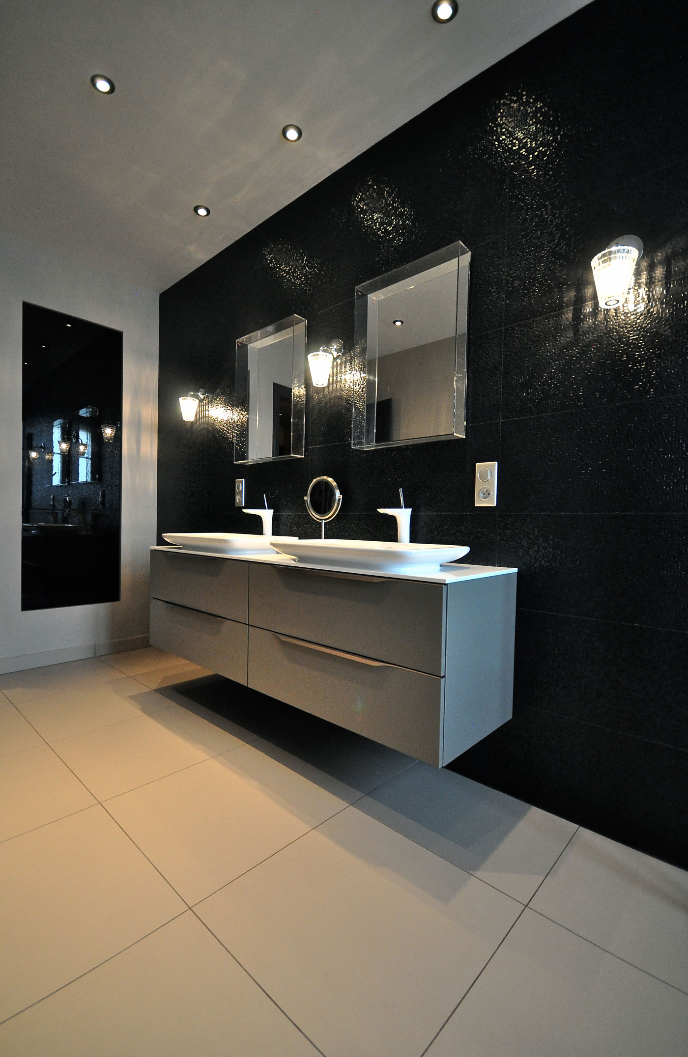 luxury 150m2 duplex apartment near parc sainte marie in. Black Bedroom Furniture Sets. Home Design Ideas