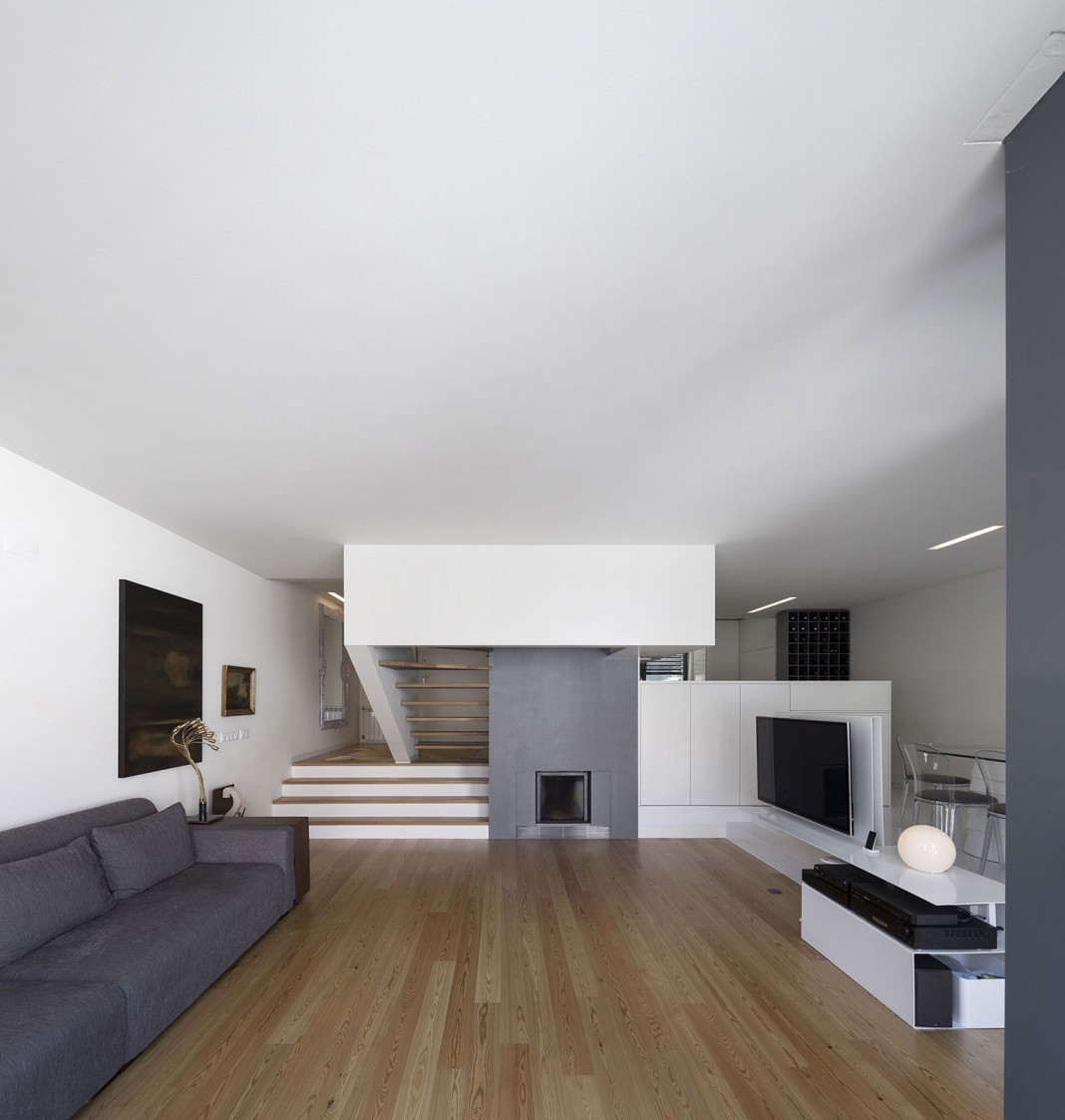 Mediterranean House in Restelo, Lisbon by Antonio Costa Lima Arquitectos