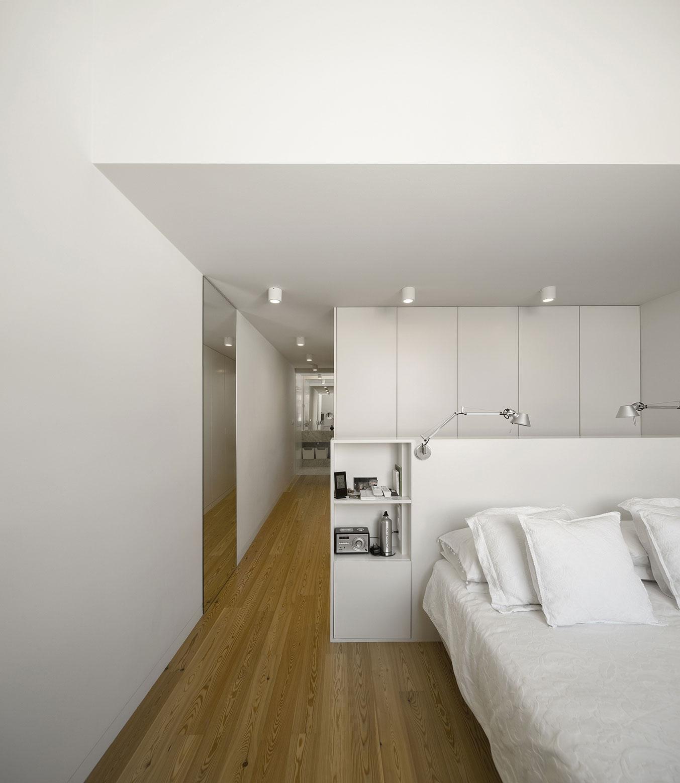 Mediterranean House in Restelo, Lisbon by Antonio Costa Lima Arquitectos-09