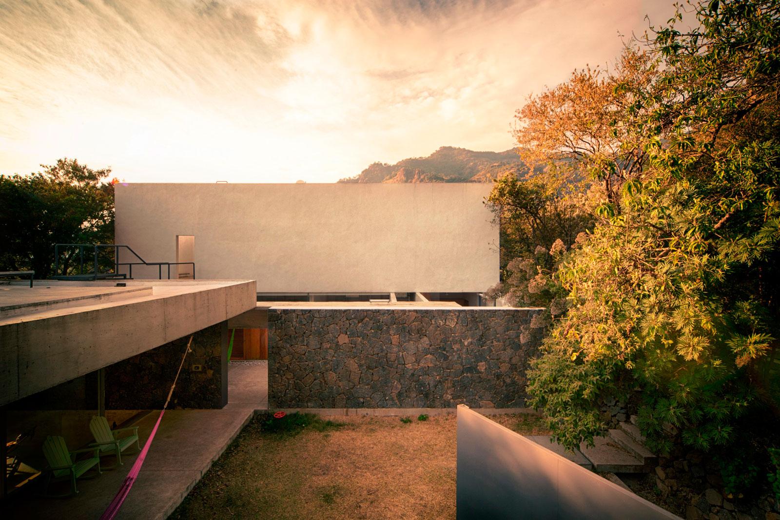 Meztitla House by EDAA-06