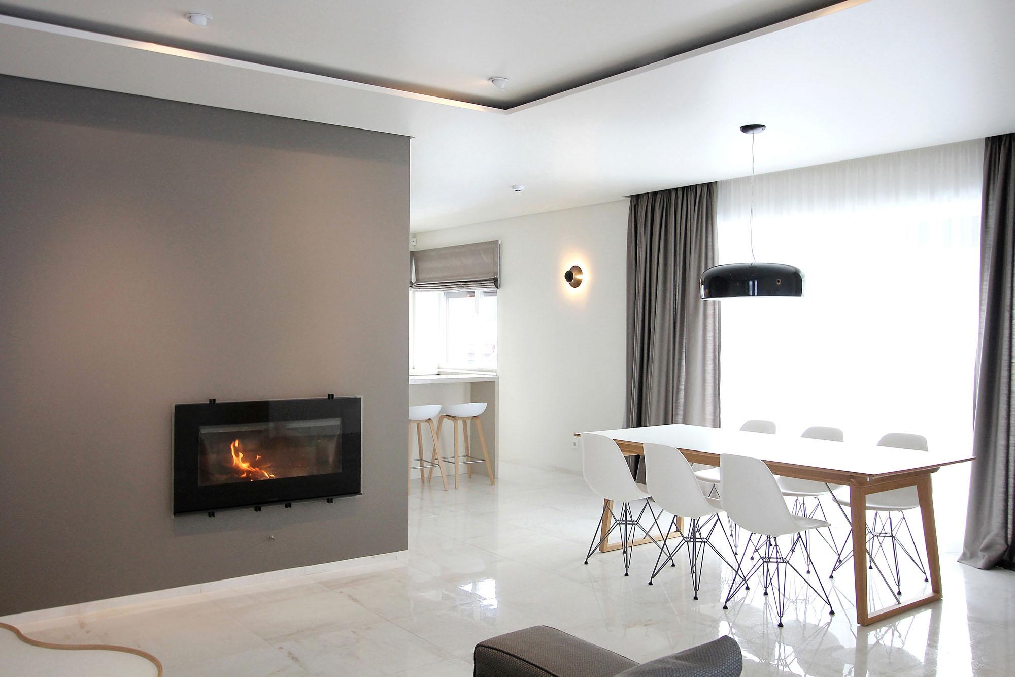 Minimal Style and White Colour Theme of House 02 by Ramunas Manikas-03