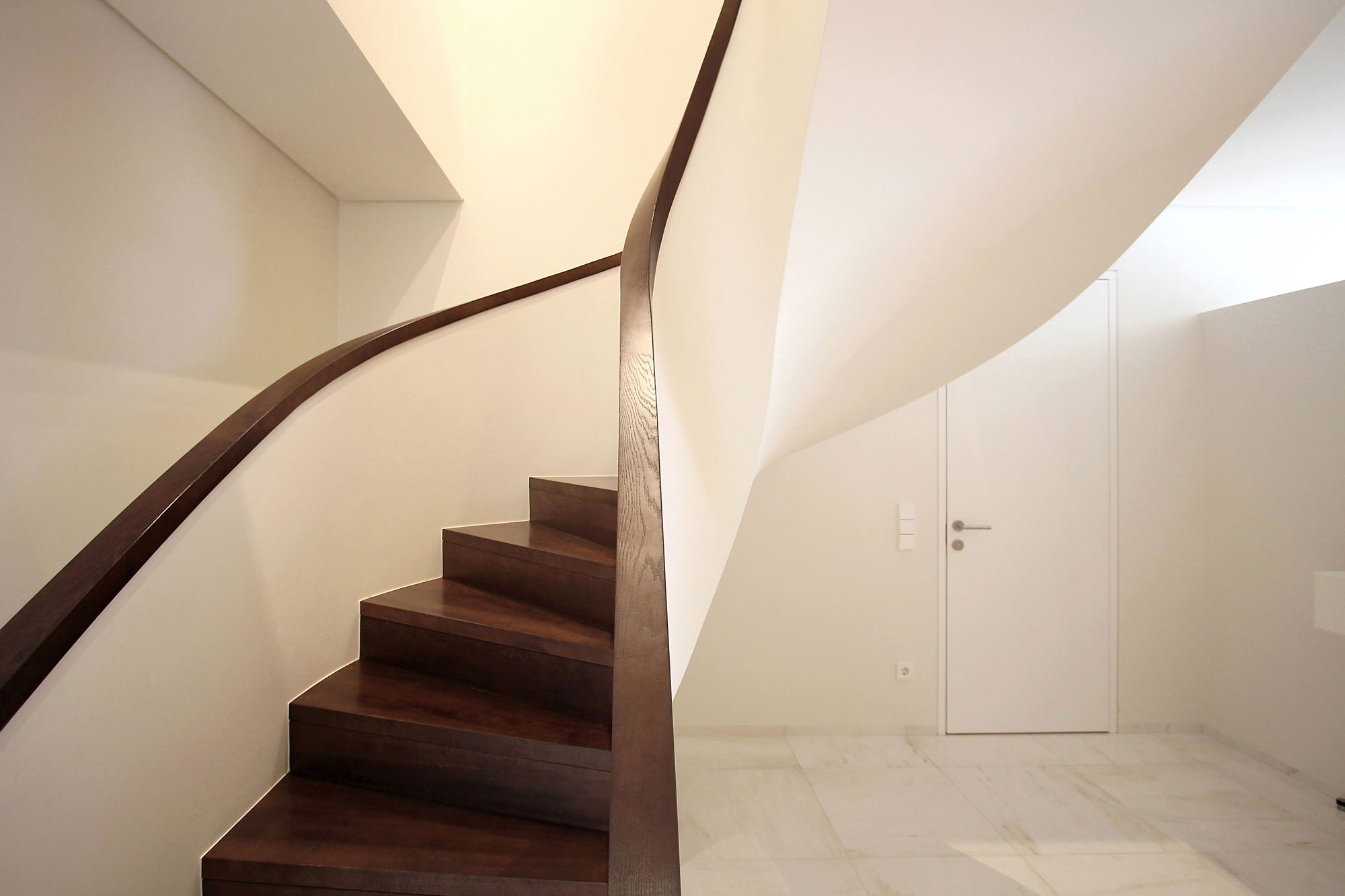 Minimal Style and White Colour Theme of House 02 by Ramunas Manikas-12